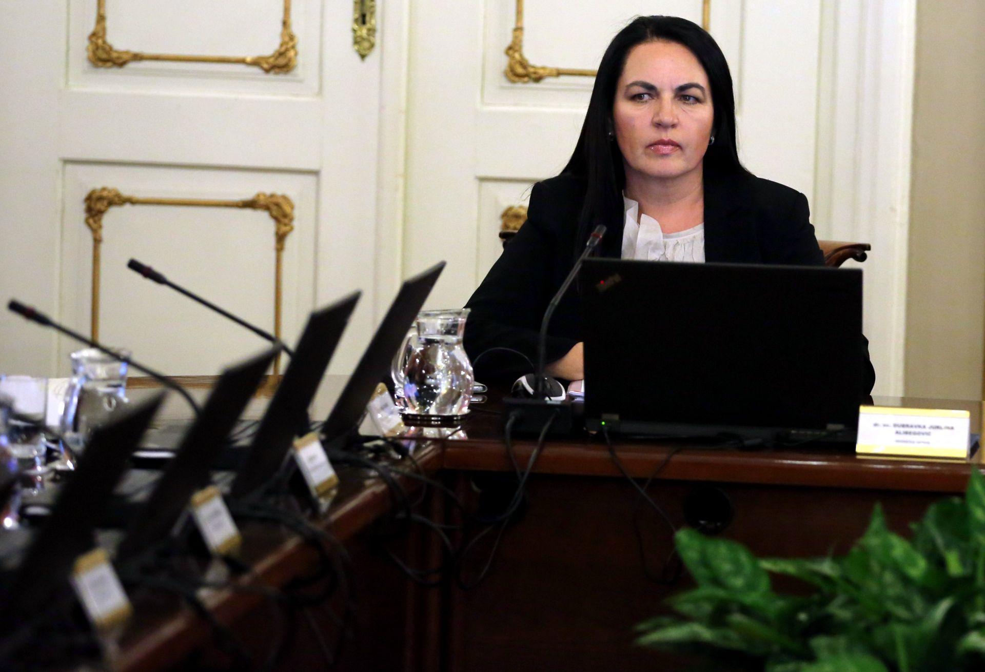 JURLINA-ALIBEGOVIĆ: Odlukom o smanjenju troškova uštedjet će se do 50 milijuna kuna godišnje