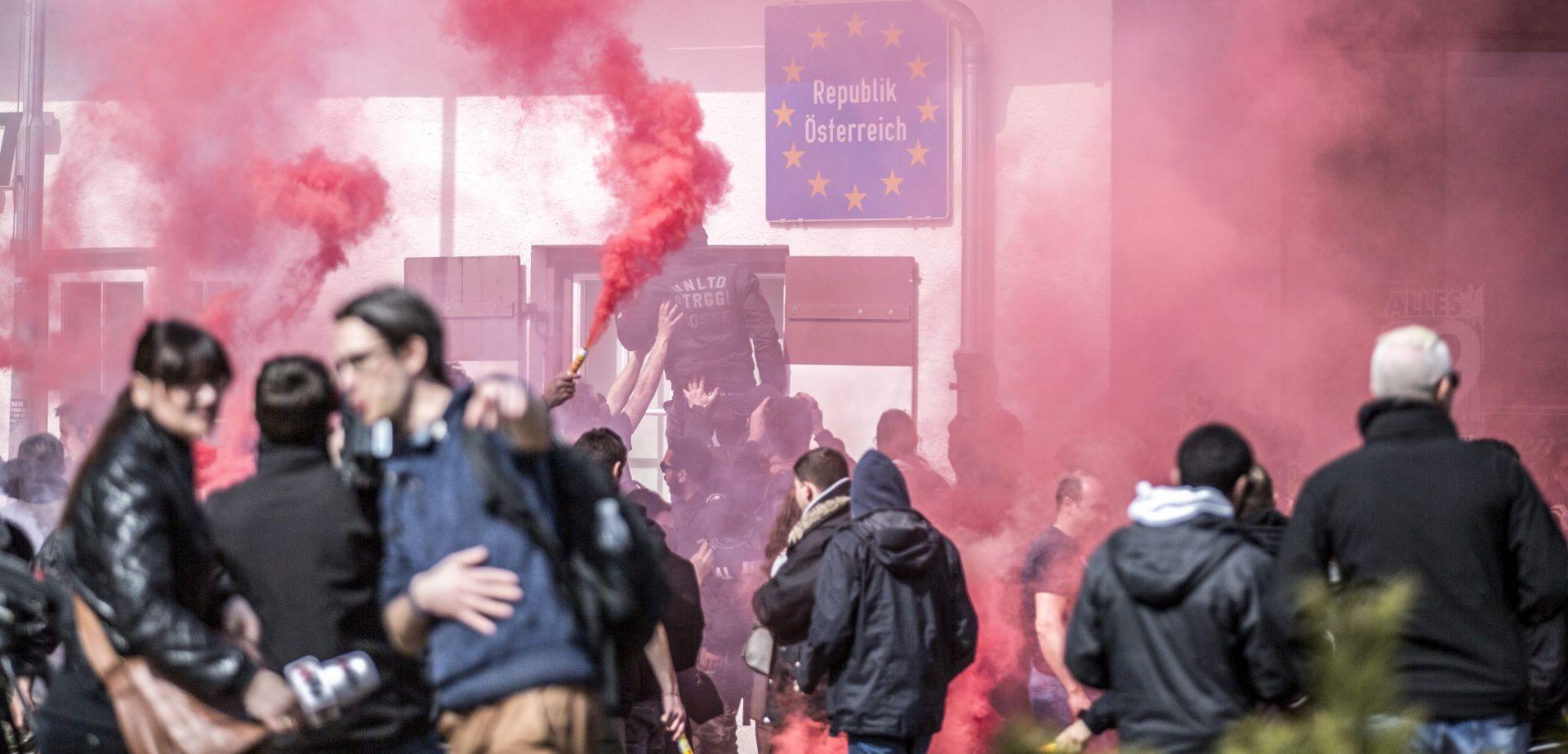 Talijansko-austrijska granica: Prosvjed u znak potpore izbjeglicama