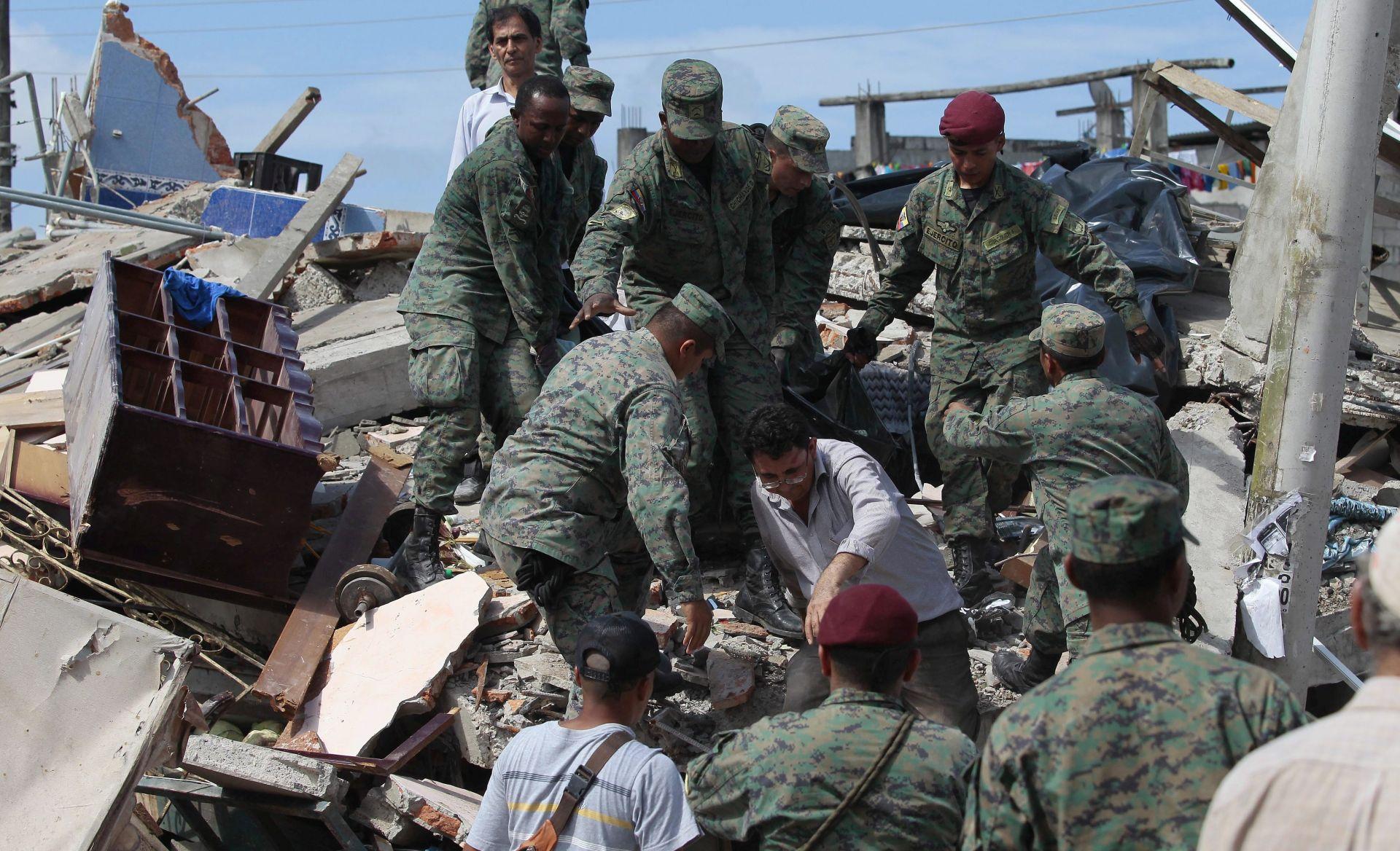 ZADNJI PODACI: U potresu u Ekvadoru poginulo 646 ljudi