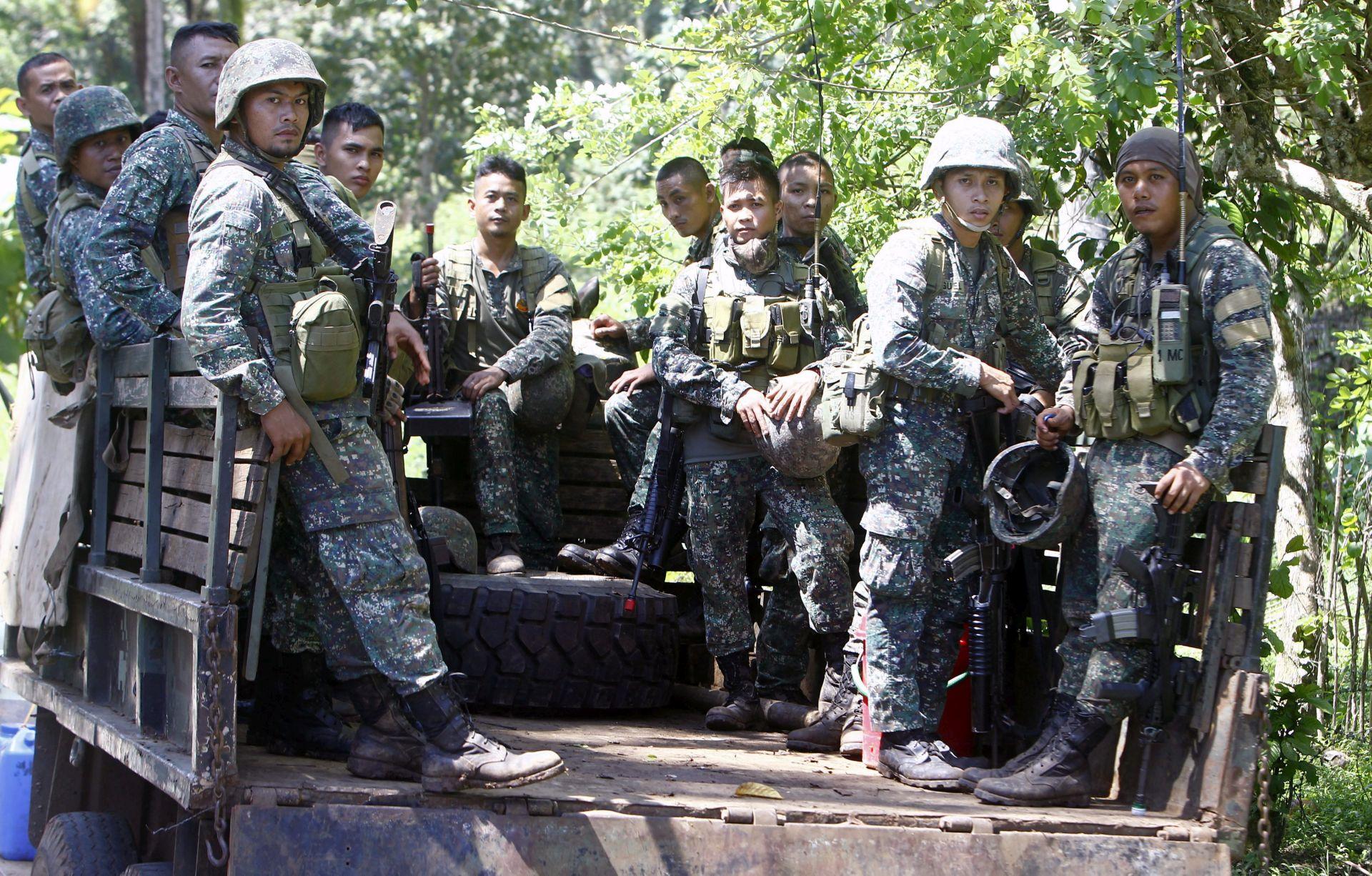 VOJNI NAPAD: Filipinski predsjednik obećao neutralizirati islamiste iz Abu Sayyafa