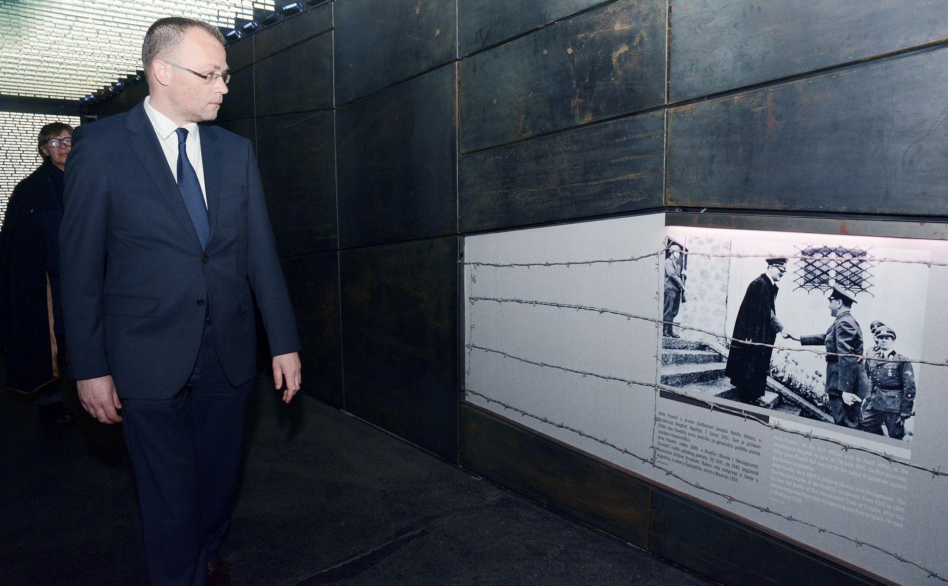 KOMEMORACIJA U JASENOVCU Hasanbegović: Odgovorni su oni koji bojkotiraju službenu komemoraciju