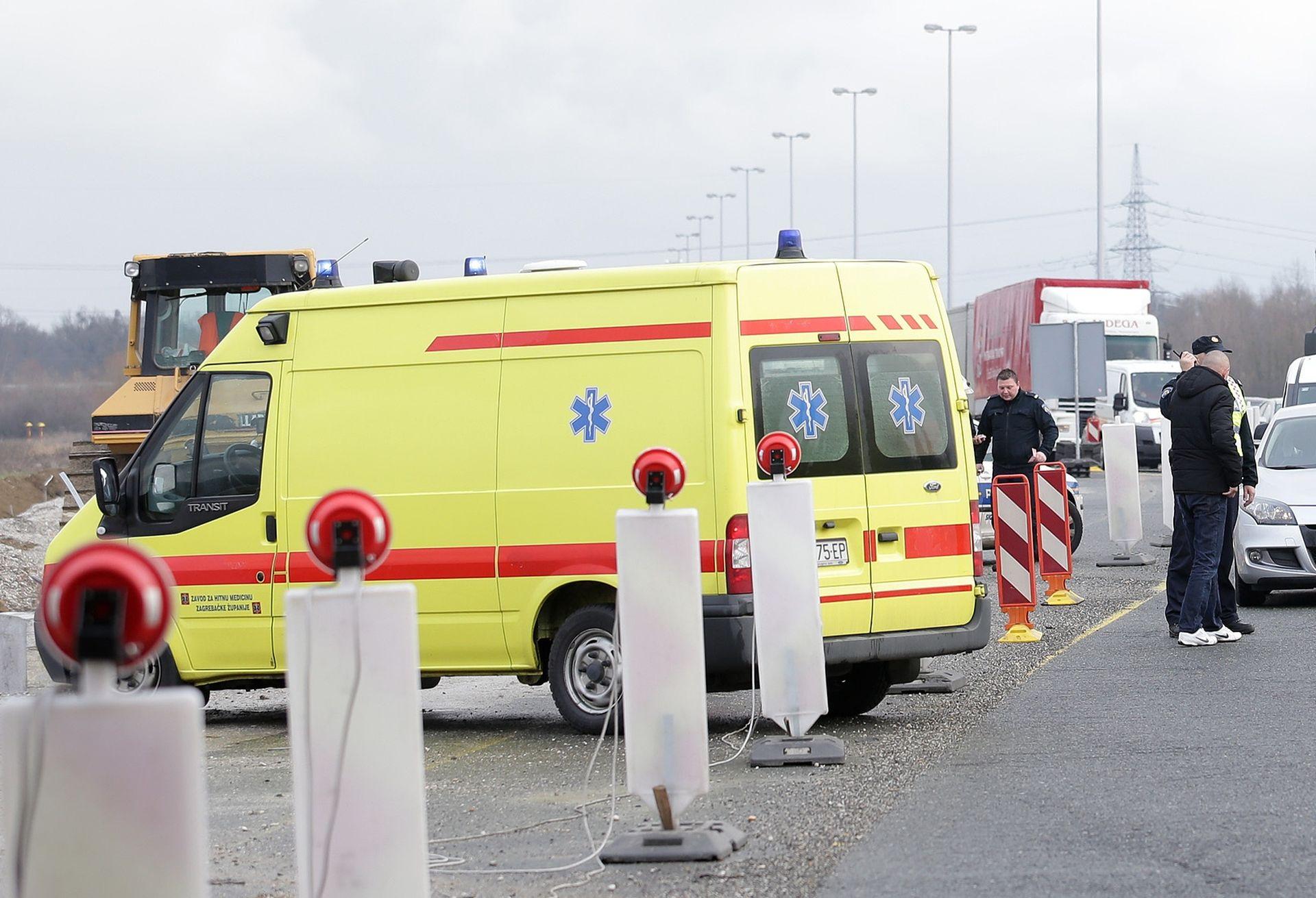 TEŠKA PROMETNA NESREĆA NA A1: Jedna osoba poginula, dvije teže ozlijeđene