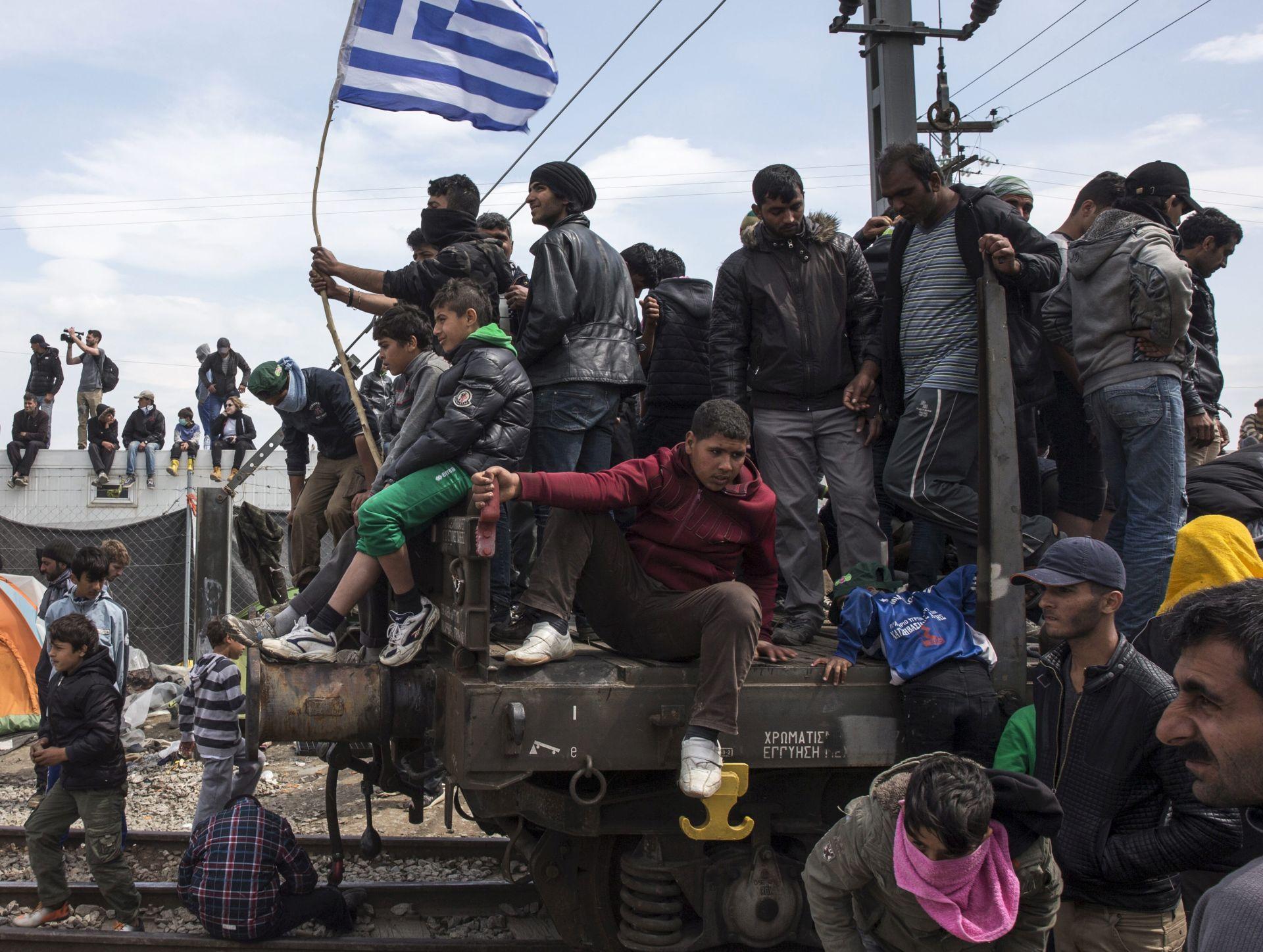SPORAZUM EU-TURSKA: Priljev migranata u Grčku se smanjuje, u Idomeniju i dalje napeto
