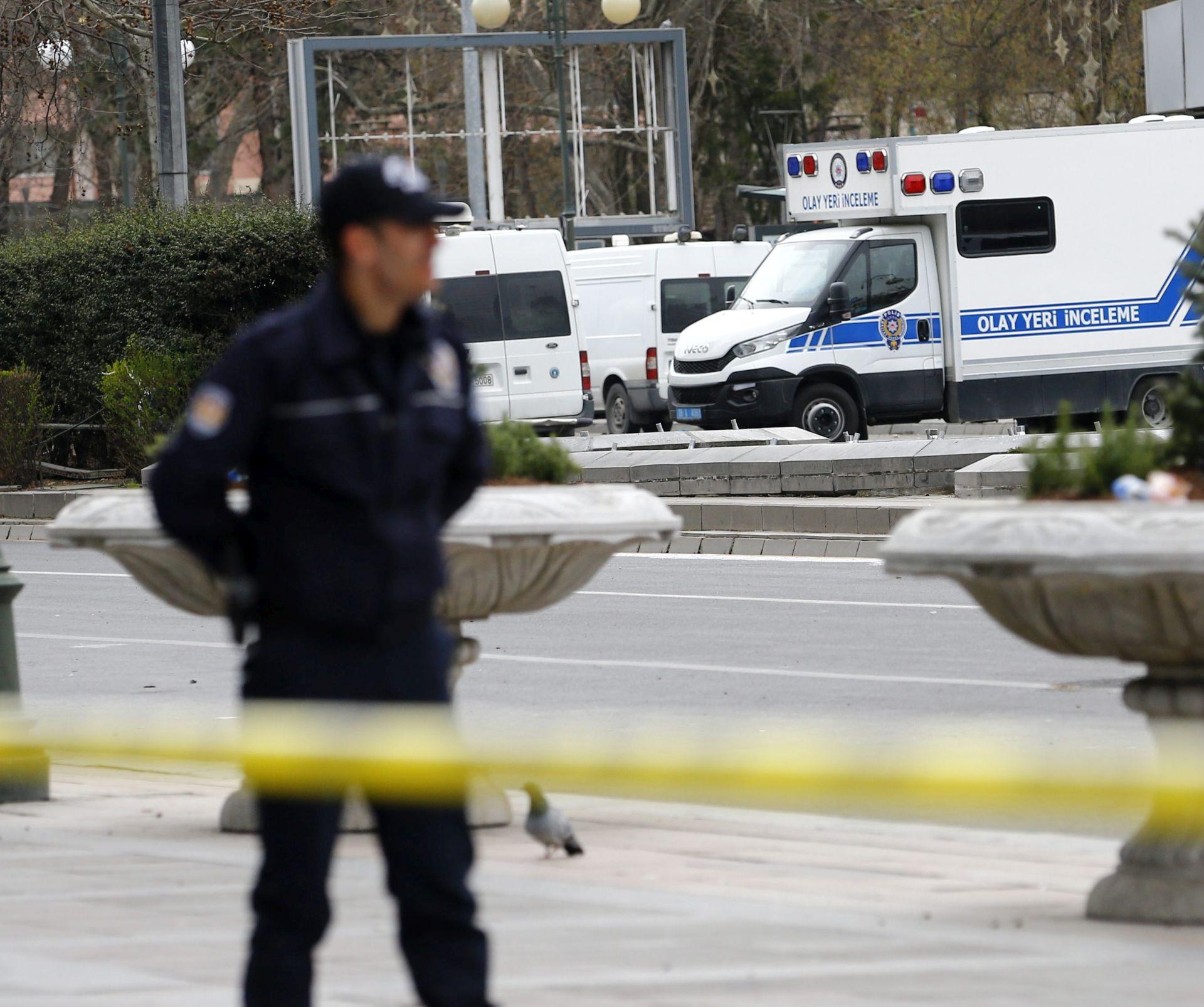 SAMOUBILAČKI NAPAD: Bombašica ranila najmanje sedam osoba u Bursi u Turskoj