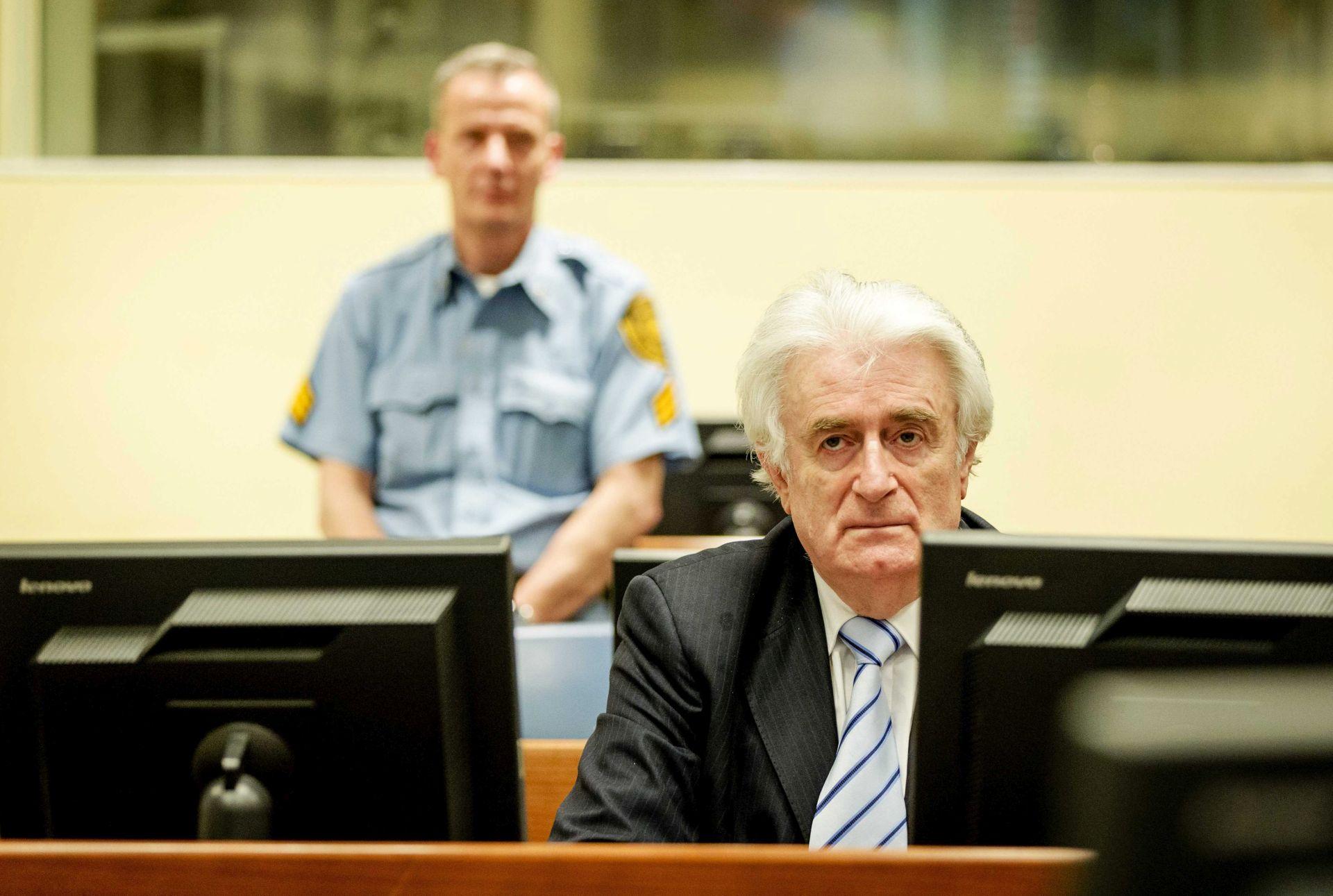 """Karadžić želi na slobodu: Prosvjeduje protiv """"zatvorskih uvjeta iz 19. stoljeća"""""""