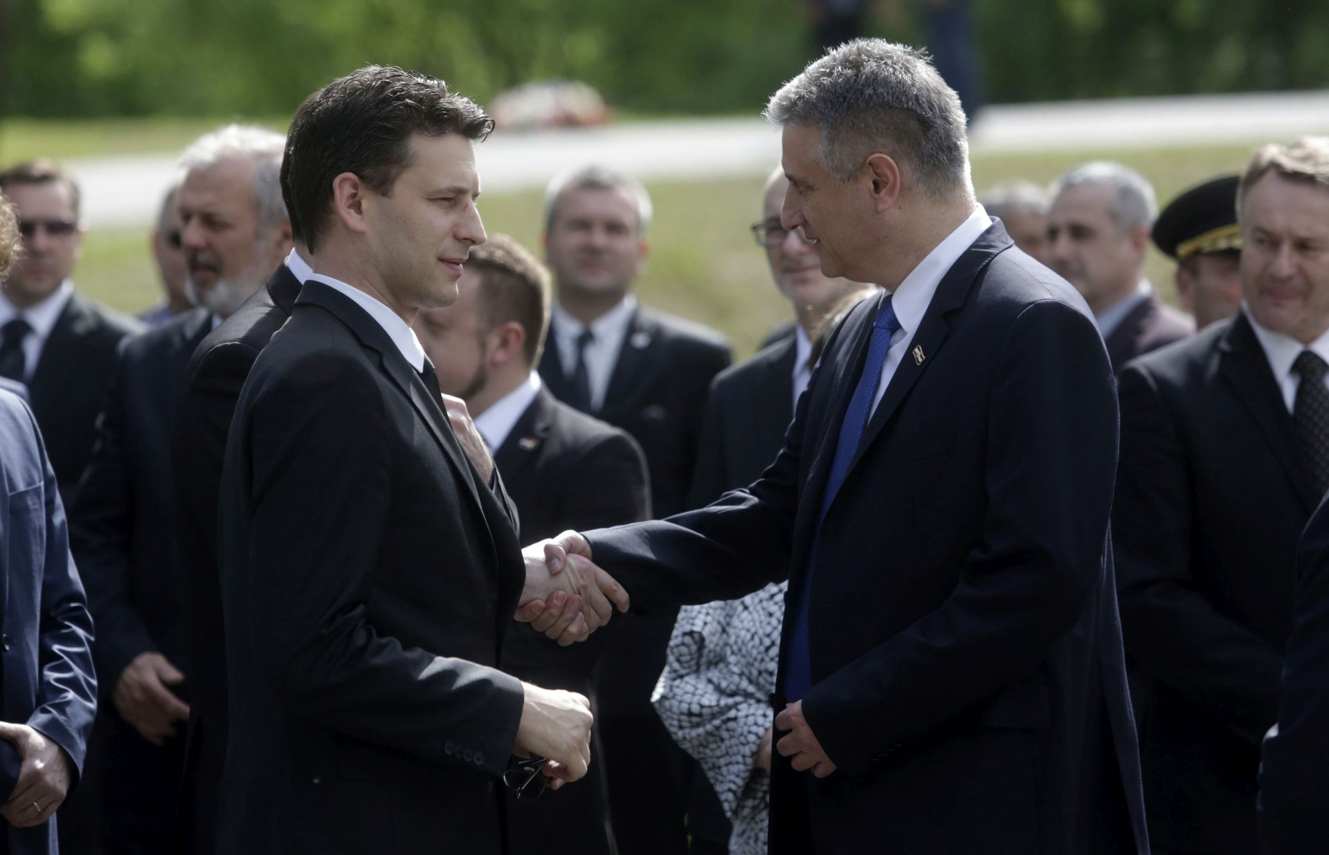 CROBAROMETAR: SDP skoro sustigao HDZ, MOST-u pada popularnost