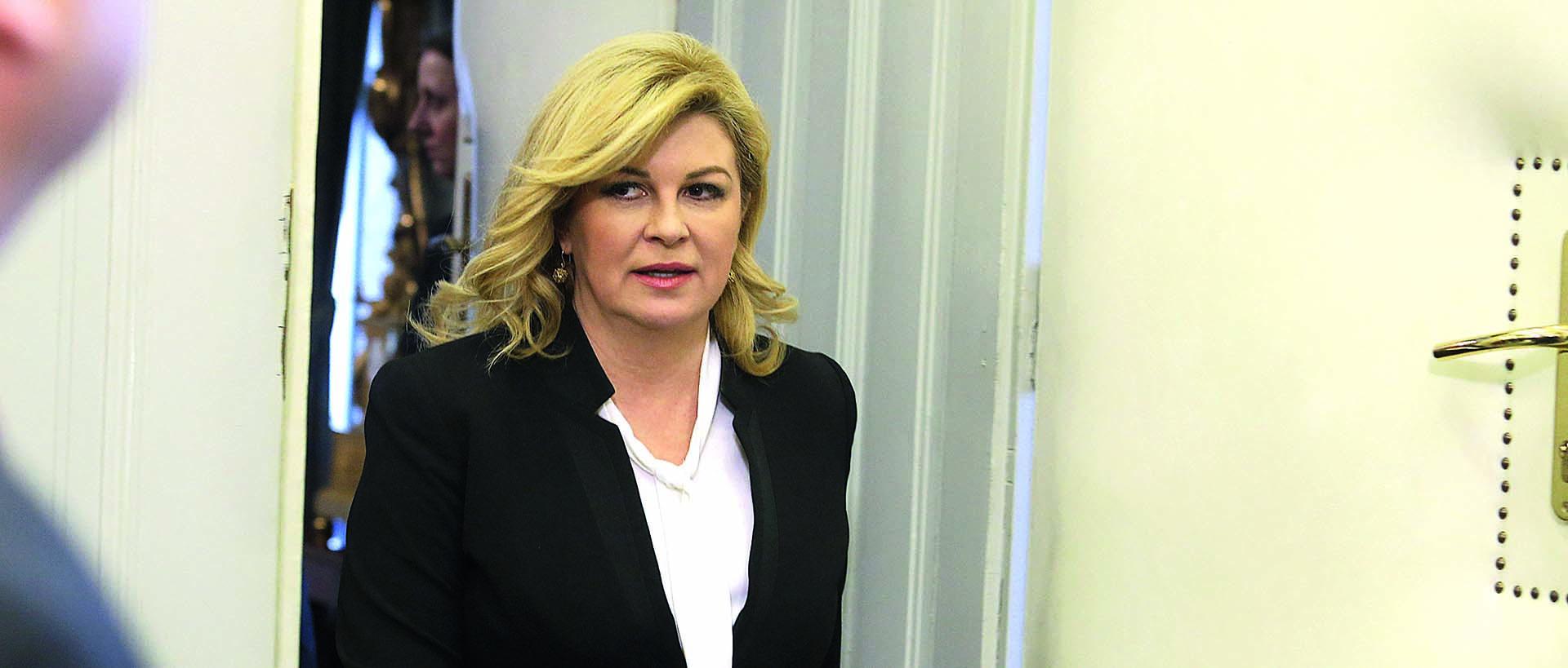 Grabar-Kitarović u Dobravi: Svaka žrtva zaslužuje pijetet