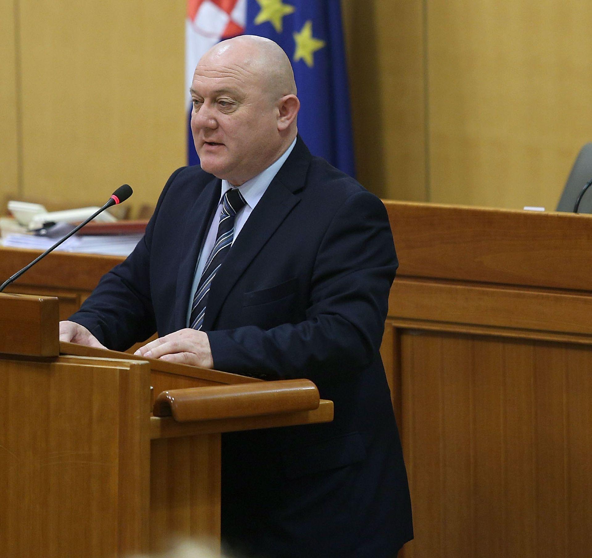 Hrvatski laburisti: Vladine reforme ispraznit će novčanike, a napuniti groblja