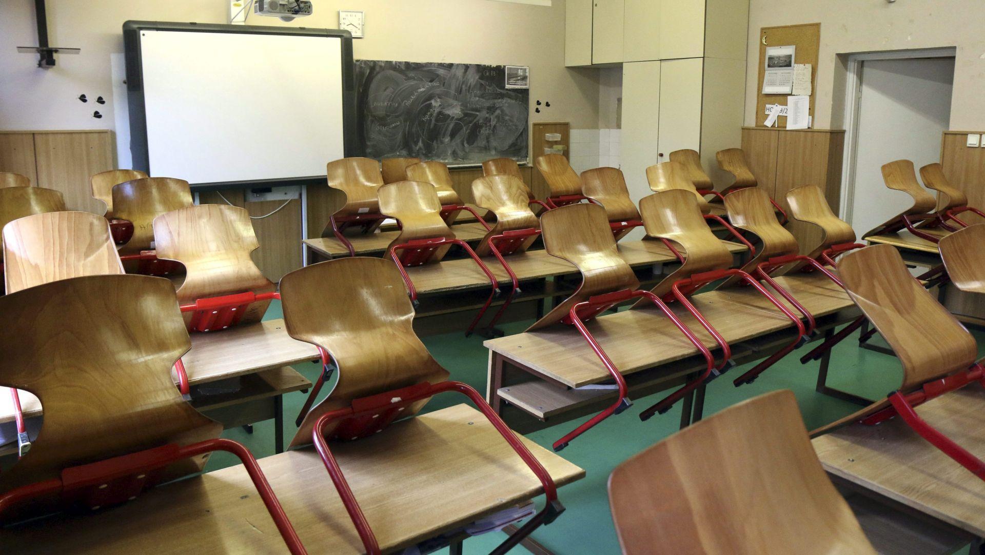 Palestinci zatvorili urede i škole u znak prosvjeda protiv Pencea