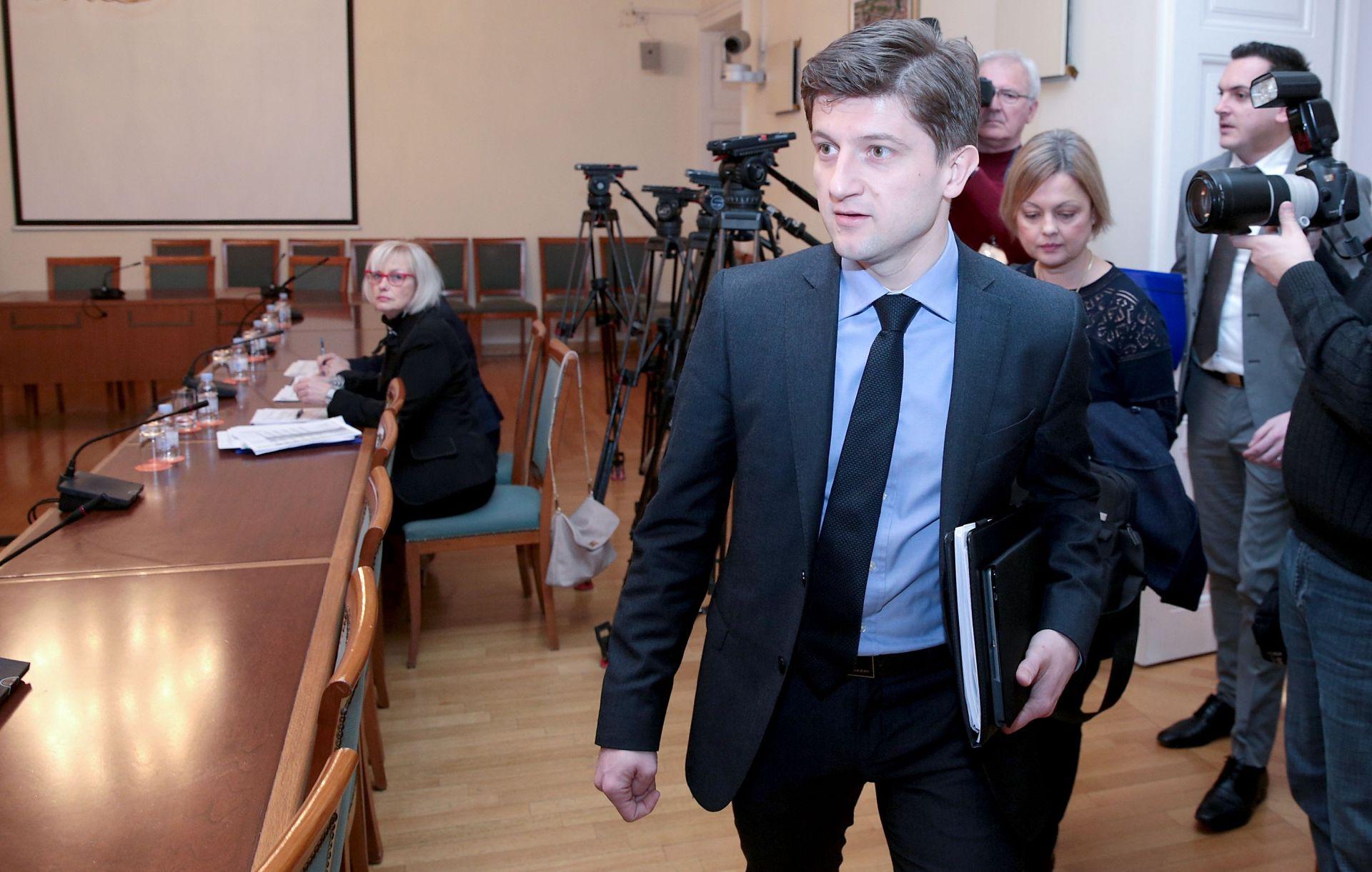 MINISTAR ZDRAVKO MARIĆ: Nema govora o eventualnom preustroju Vlade
