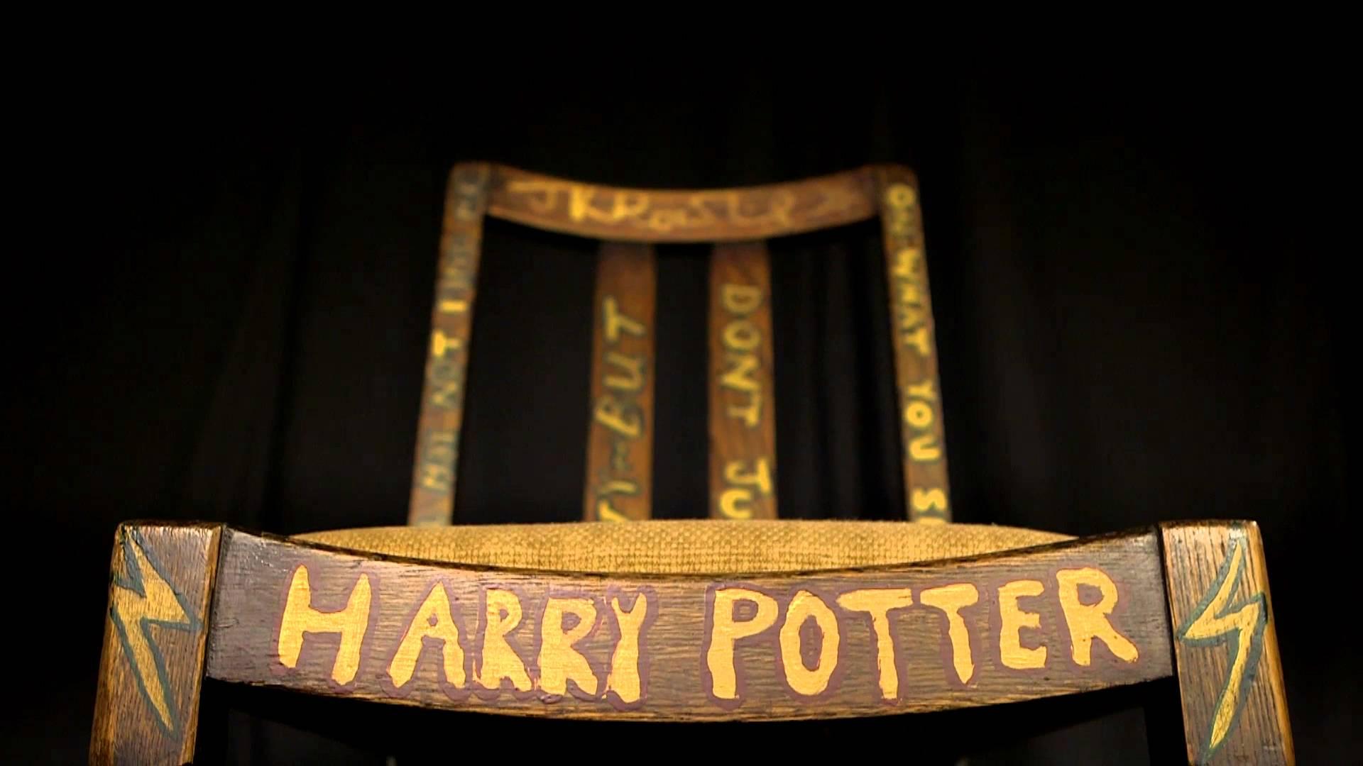 VIDEO: Stolica na kojoj je Rowling pisala Pottera prodana na aukciji za čak 391 tisuću dolara