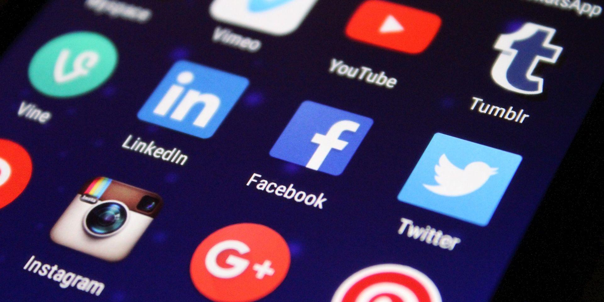 PORTUGALSKI MINISTAR KULTURE PODNIO OSTAVKU Na Facebooku novinarima prijetio šamarima