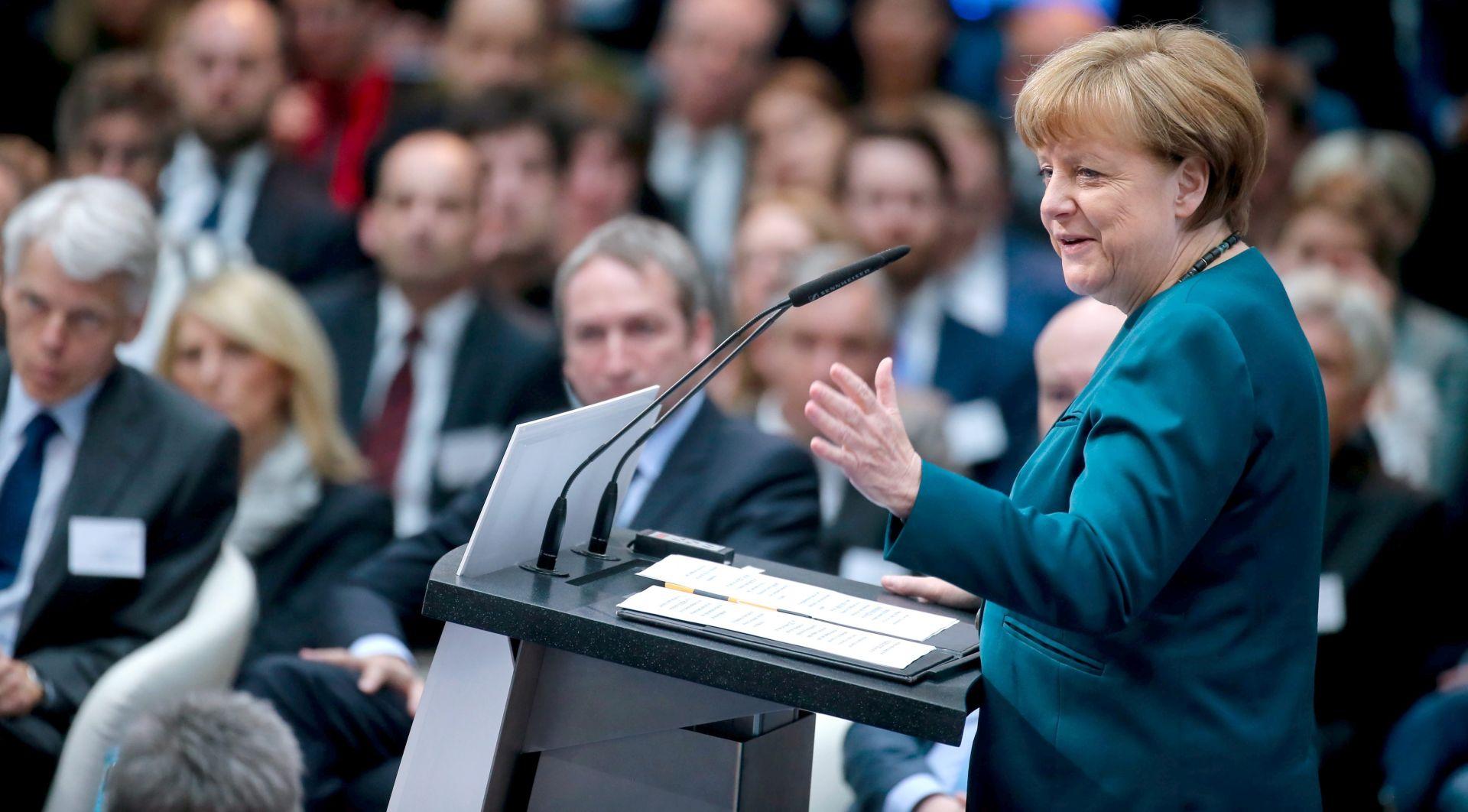 NAKON ERDOGANOVE PRIJAVE: Merkel brani slobodu mišljenja i umjetnosti u Njemačkoj