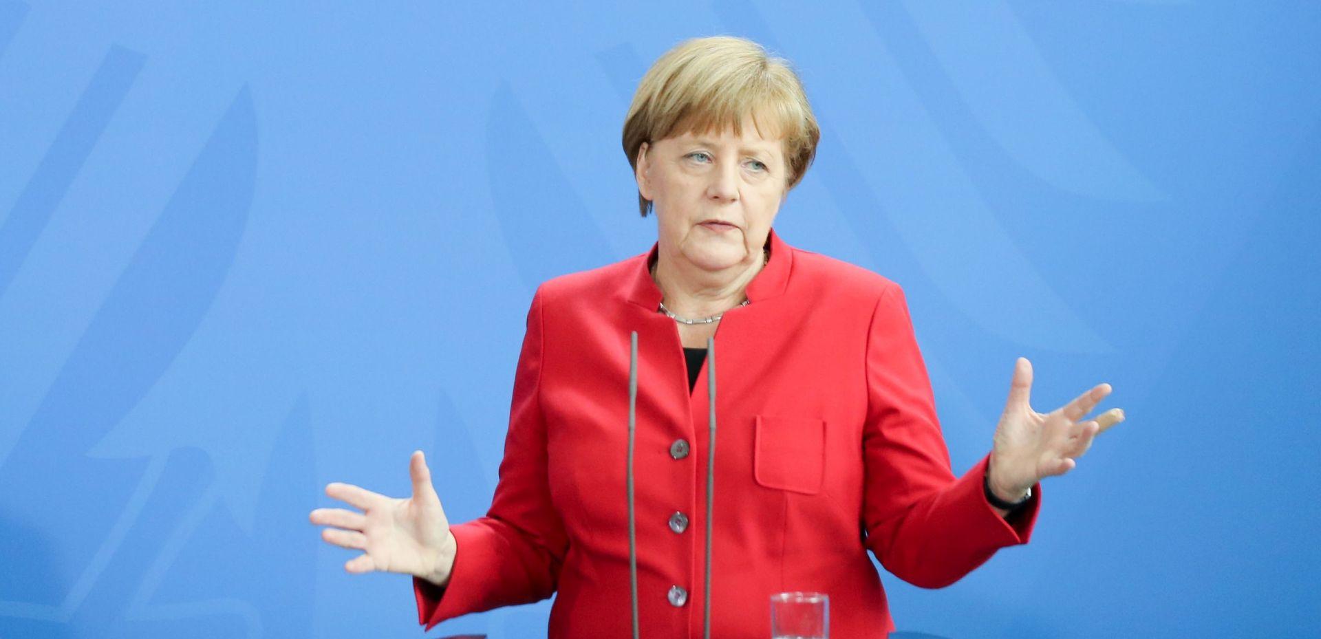 OPTUŽBE NJEMAČKOG AUTORA: 'Angela Merkel obmanula je Nijemce u pogledu izbjeglica'