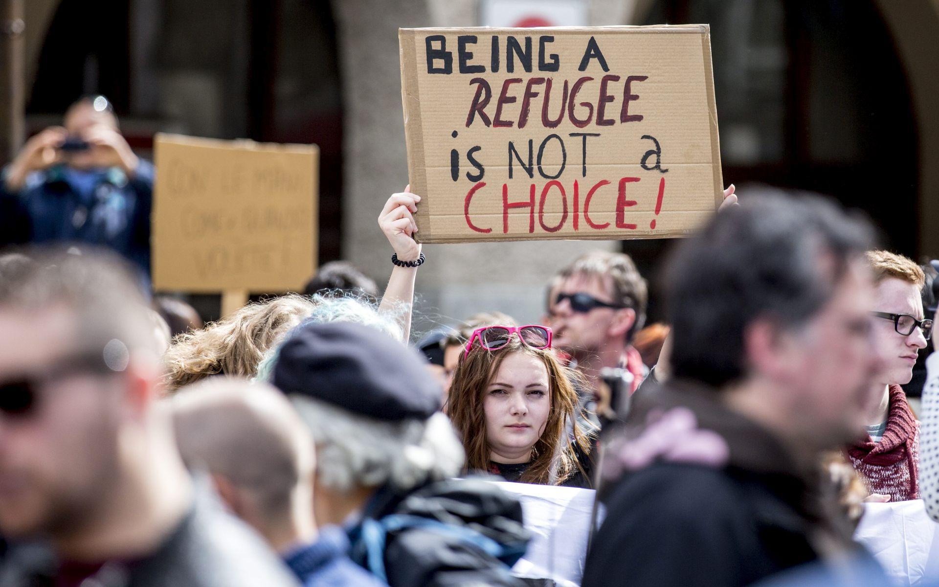 MIGRANTSKI VAL: Austrija upozorila Italiju da će zatvoriti granicu