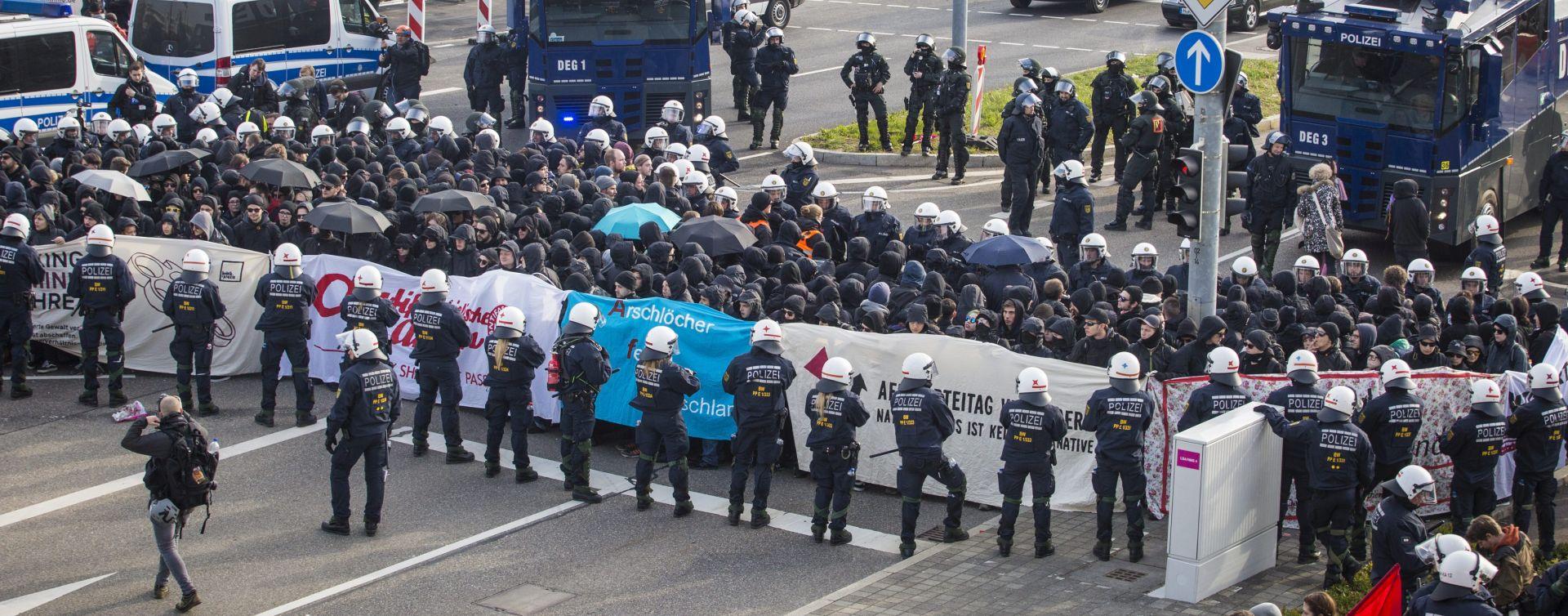 SUKOBI S POLICIJOM: Stranačka konvencija AfD-a u sjeni nasilnih prosvjeda