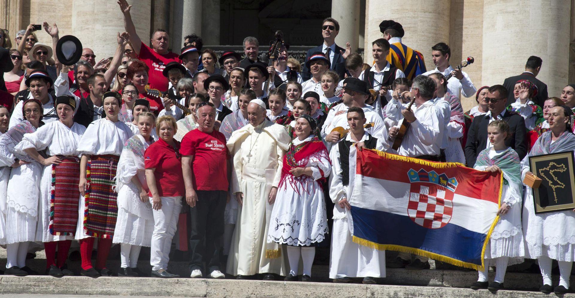 """MOLITVA ZA ŽRTVE: Papa Franjo o Černobilu i o """"zaboravljenom sukobu"""" u Ukrajini"""