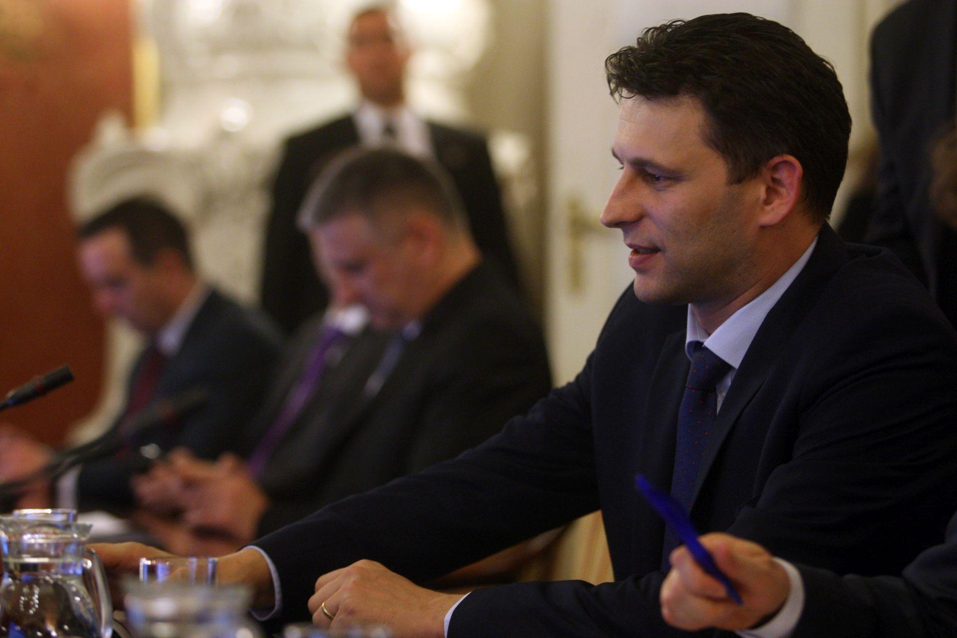 Božo Petrov: Političkim strankama 48 umjesto planiranih 55 milijuna kuna