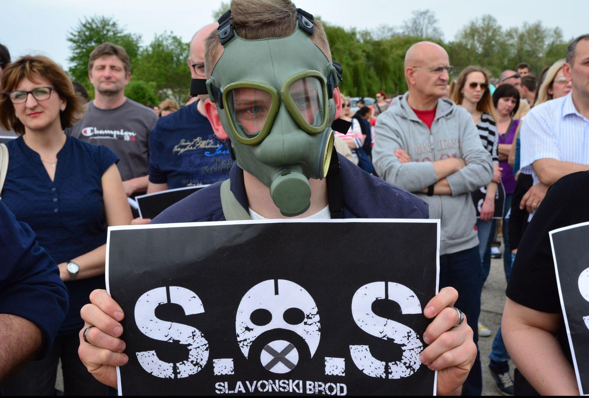 PROSVJED U SLAVONSKOM BRODU: Problem onečišćenja zraka iz rafinerije