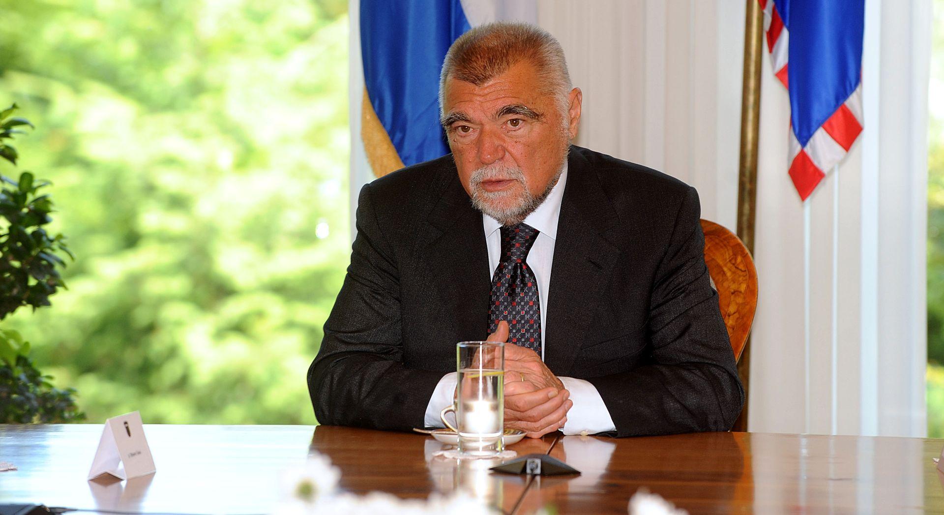 UKIDANJE UREDA Stjepan Mesić: 'Bezočno se operiralo lažima'