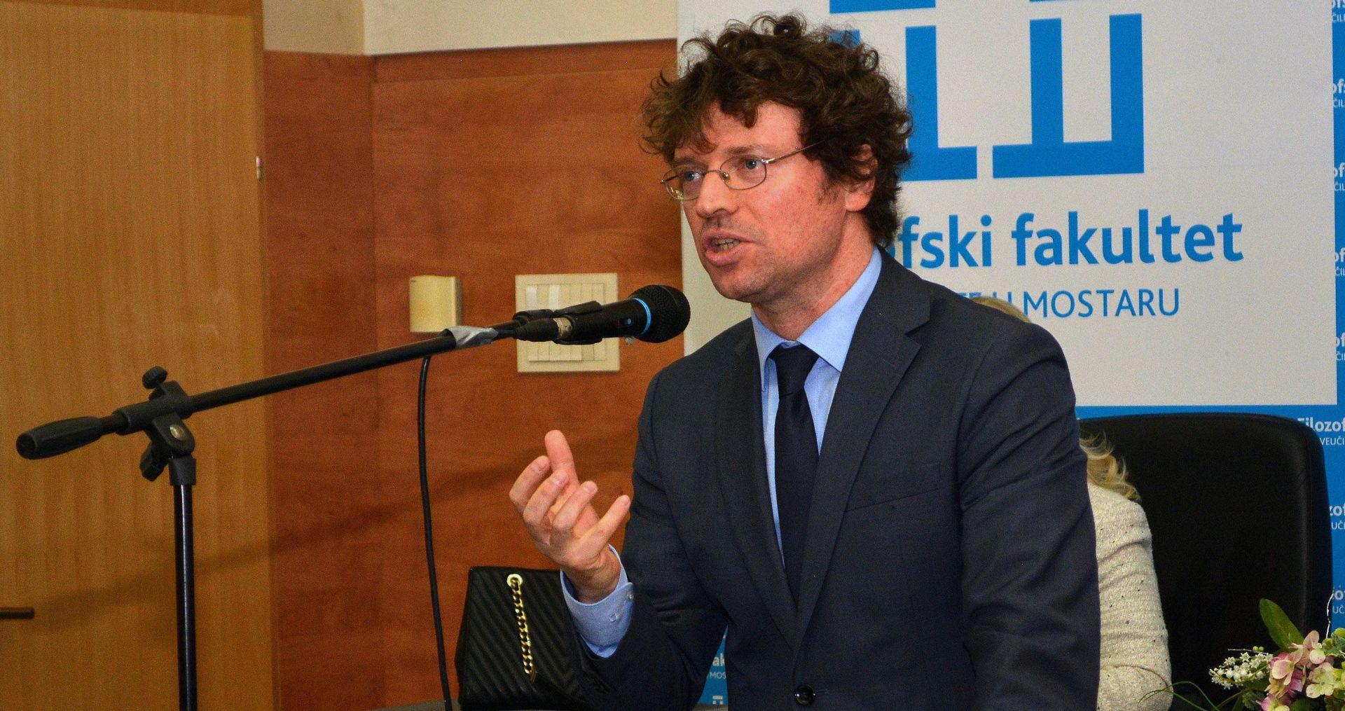 Ministar Šustar zaželio uspješnu novu školsku godinu
