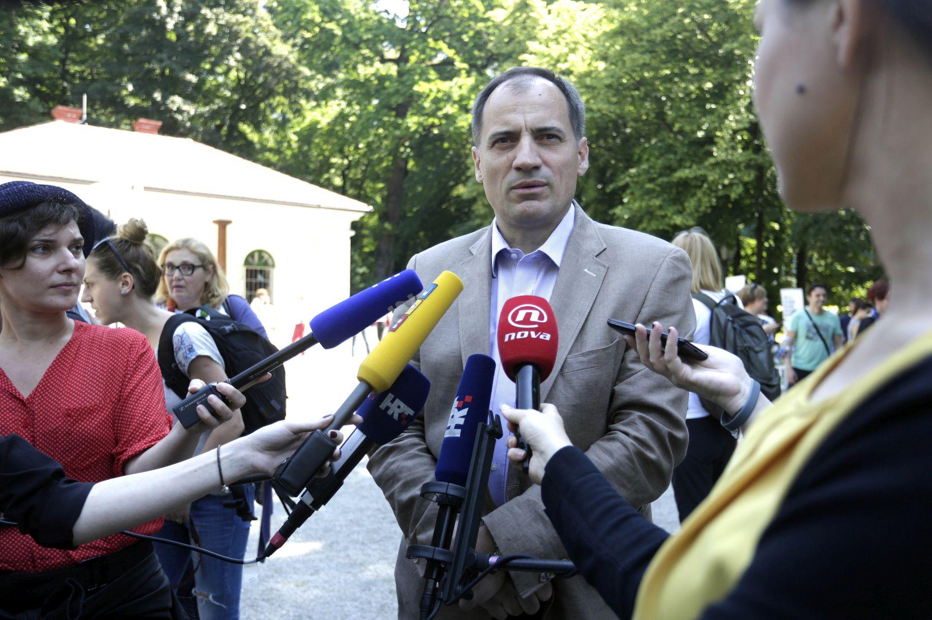 ZAŠTITA PRIRODE: Ministar Dobrović obišao novouređenu špilju Veternicu