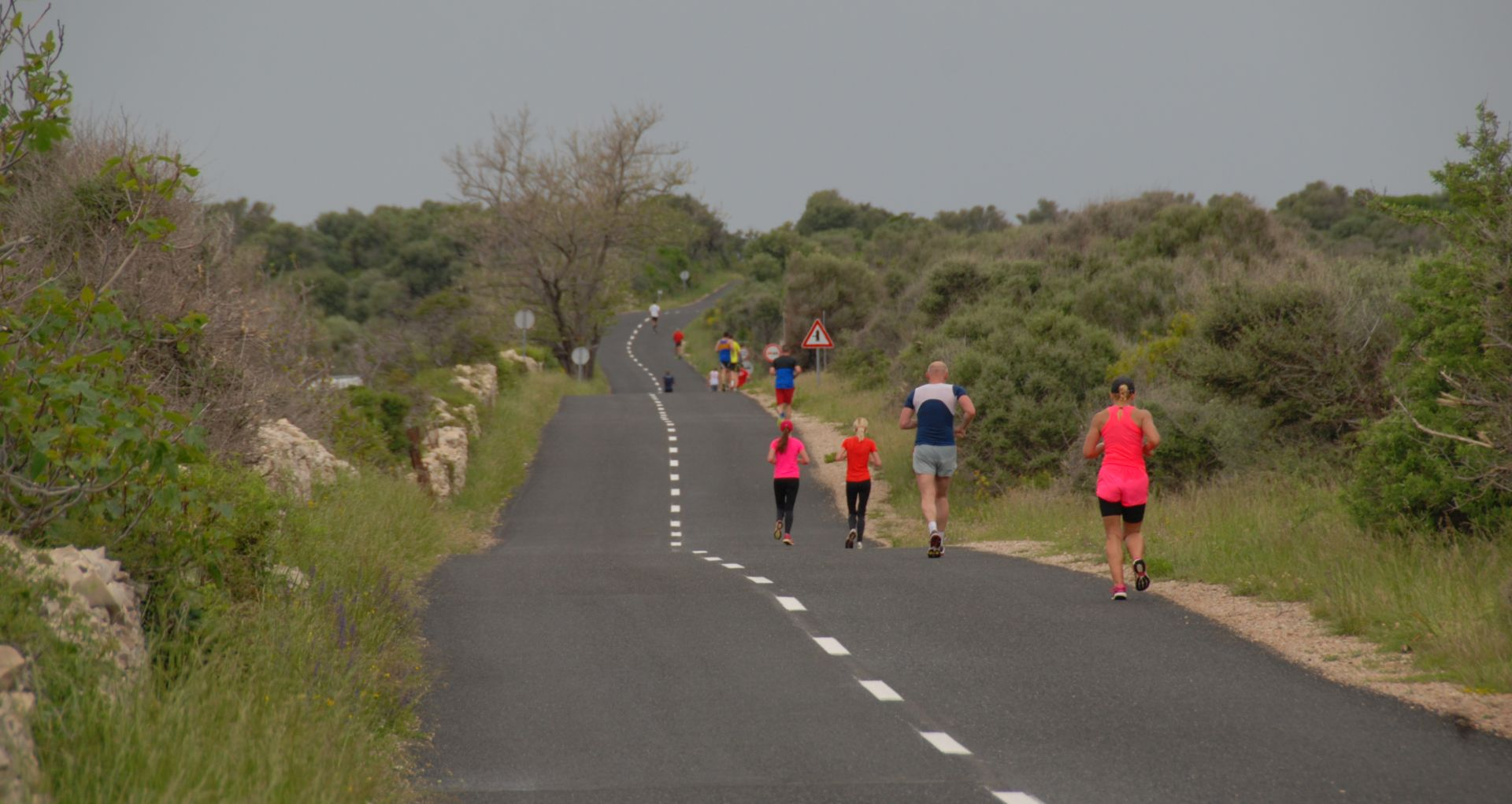 Trkači iz čak 14 zemalja trčali su 'Run Croatia' polumaraton Novalja – Lun