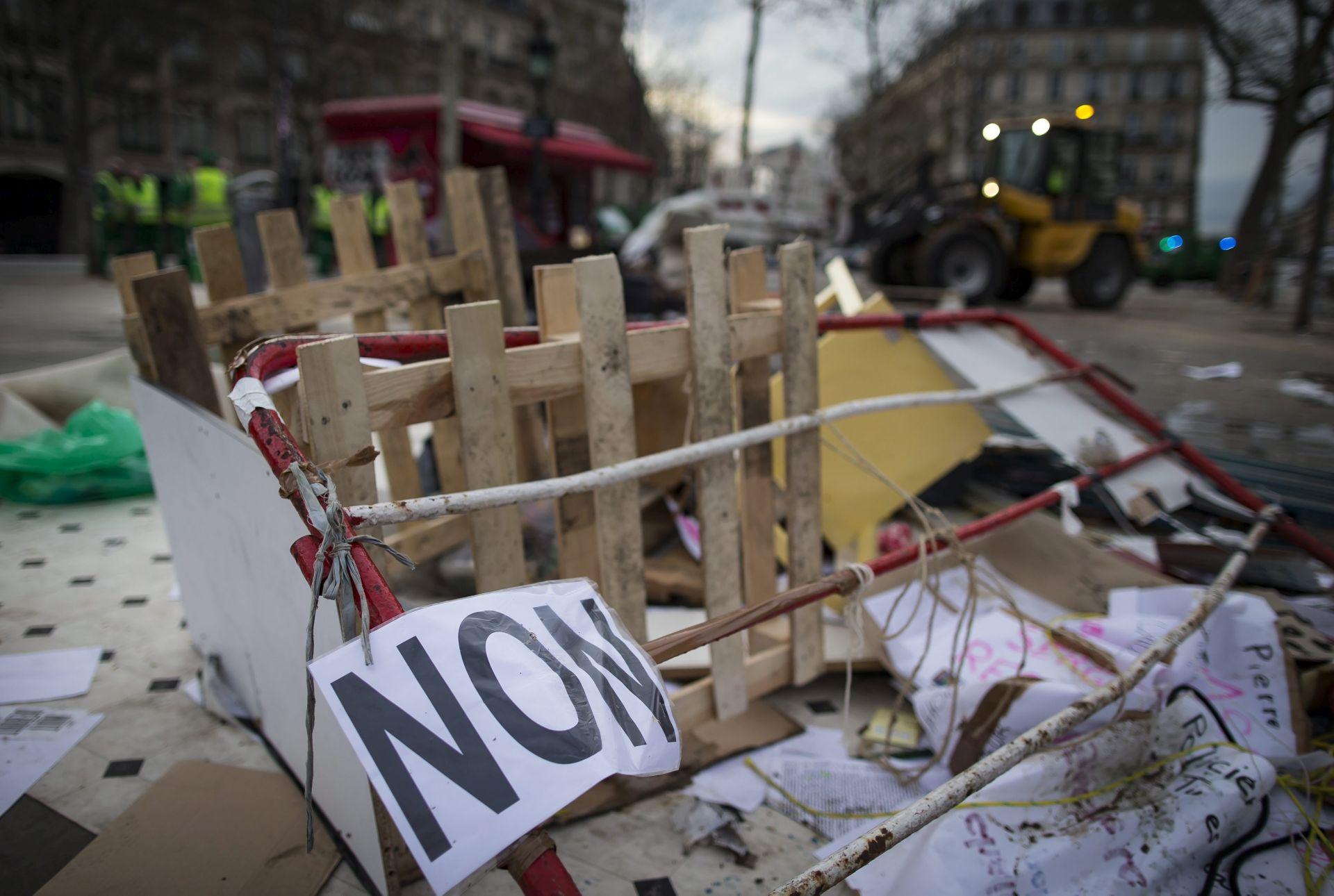 TREĆA OPERACIJA: U Parizu nova evakuacija logora s tisuću migranata