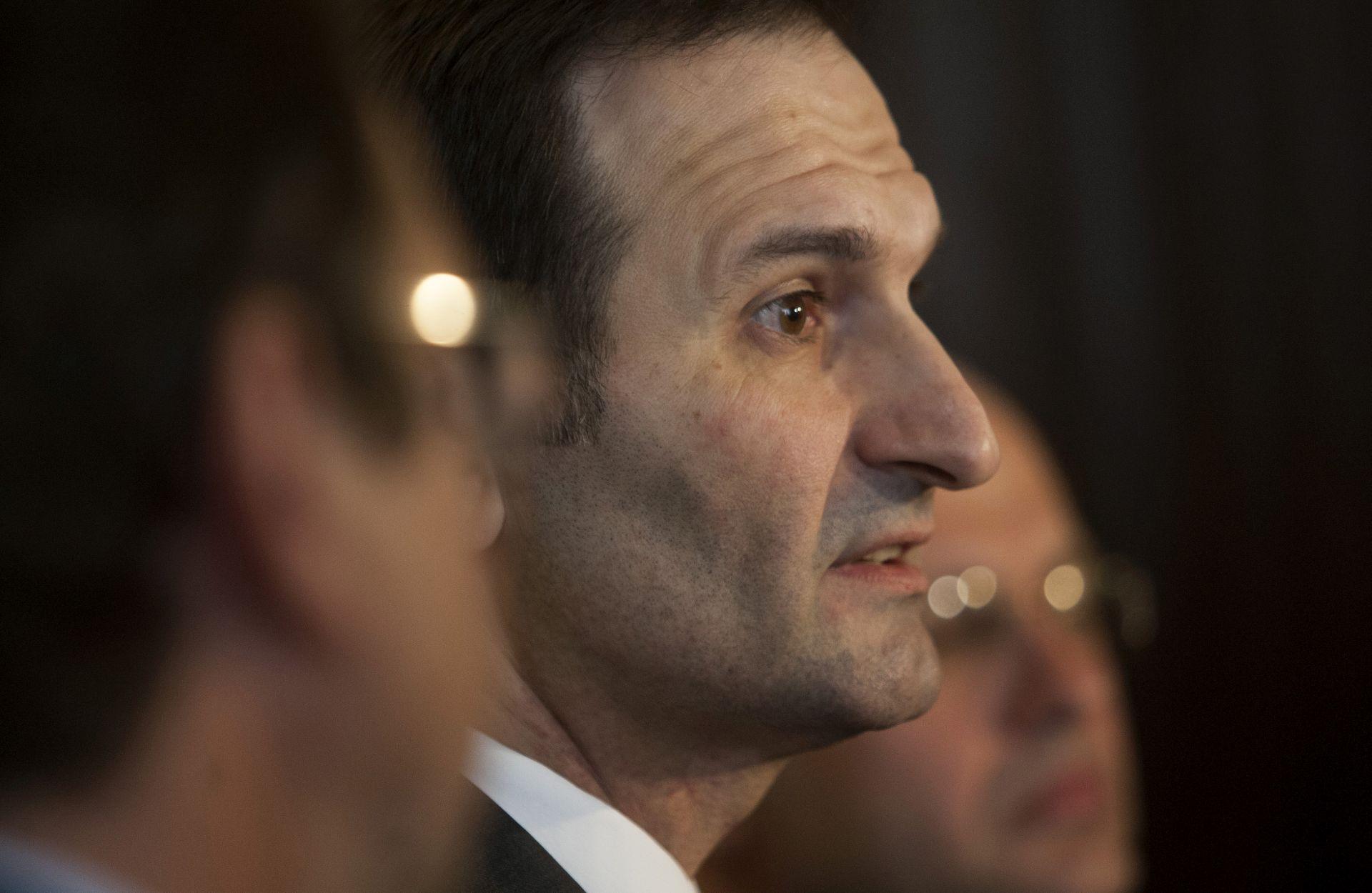 Ministar Kovač osuđuje napade na biskupa Komaricu