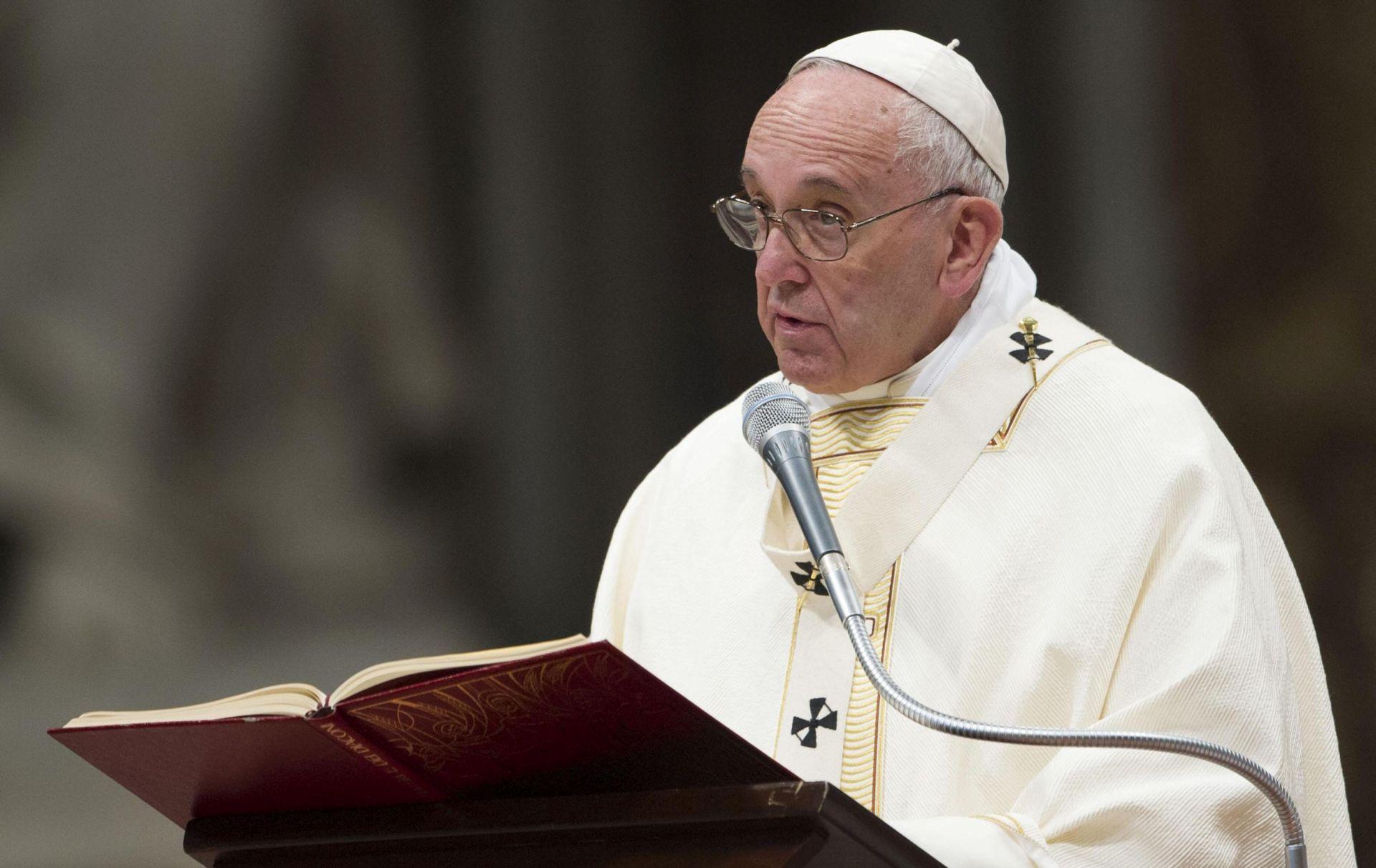 Papa: Javnim službenicima pravo na prigovor savjesti u slučaju istospolnih brakova