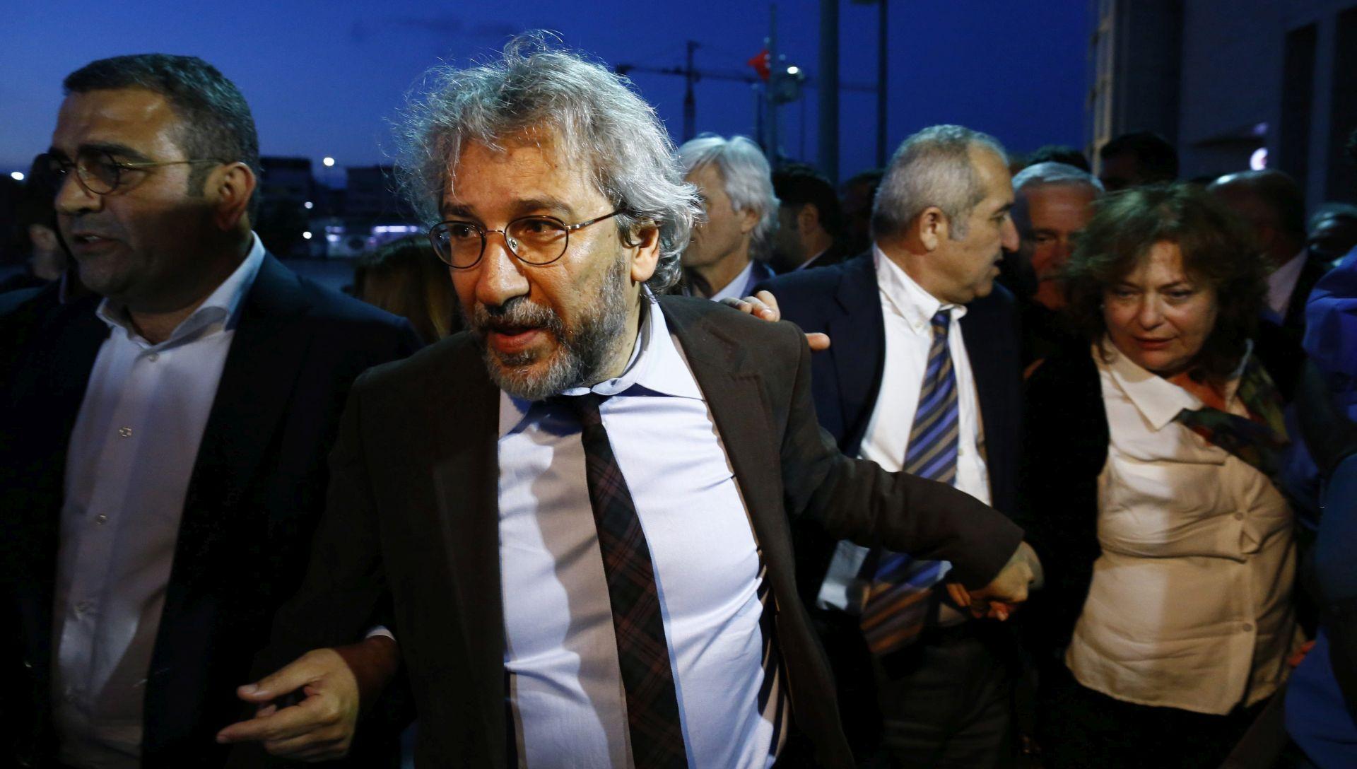 TURSKA Novinara Dundara prvo pokušali ubiti pred sudnicom, pa dobio pet godina i 10 mjeseci zatvora