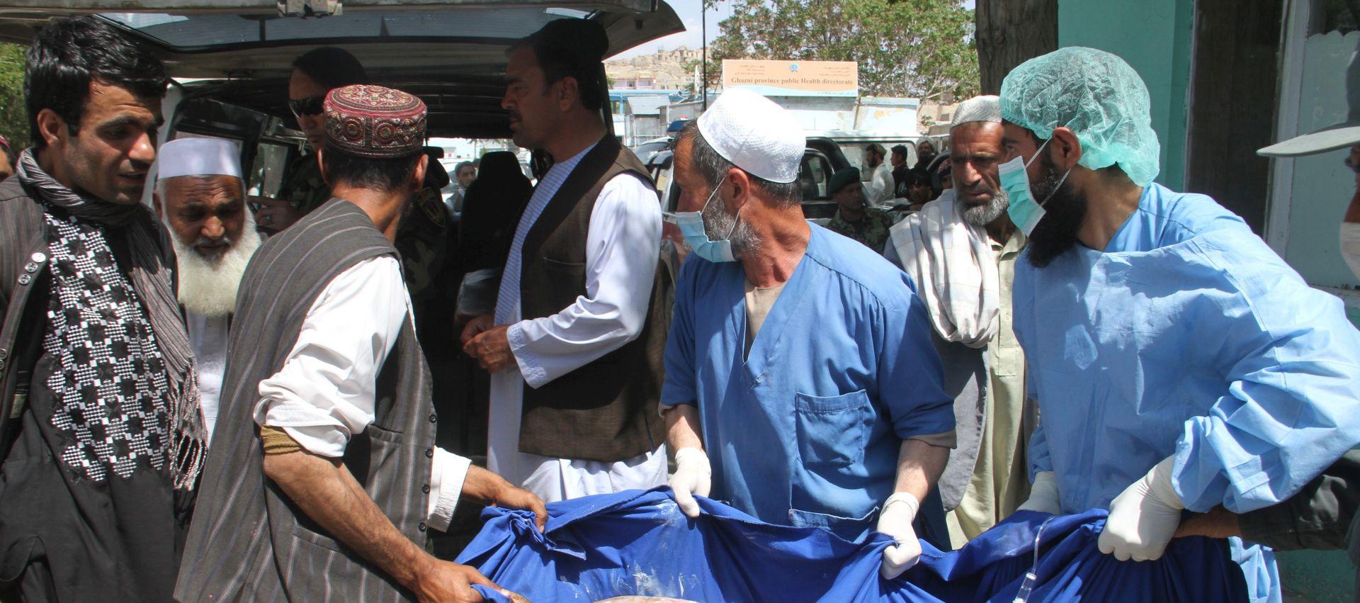 NEOPREZNA VOŽNJA Namanje 73 poginulih u sudaru dva autobusa i tankera u Afganistanu