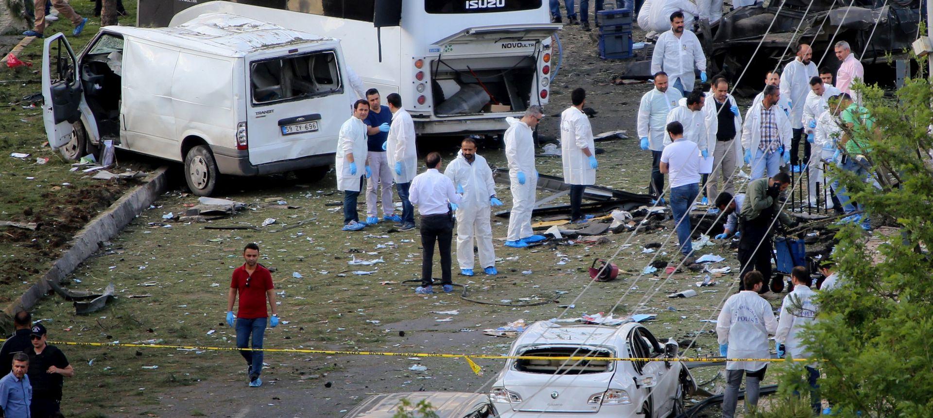 ISTANBUL Eksplodirao automobil ispred vojarne, najmanje pet ozlijeđenih