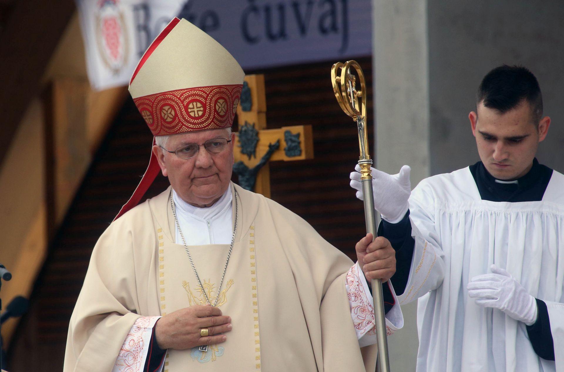 Biskup Komarica: Treba otkloniti ruševine koje skrivaju istinu i zajednički izgrađivati ljubav, pomirenje i mir