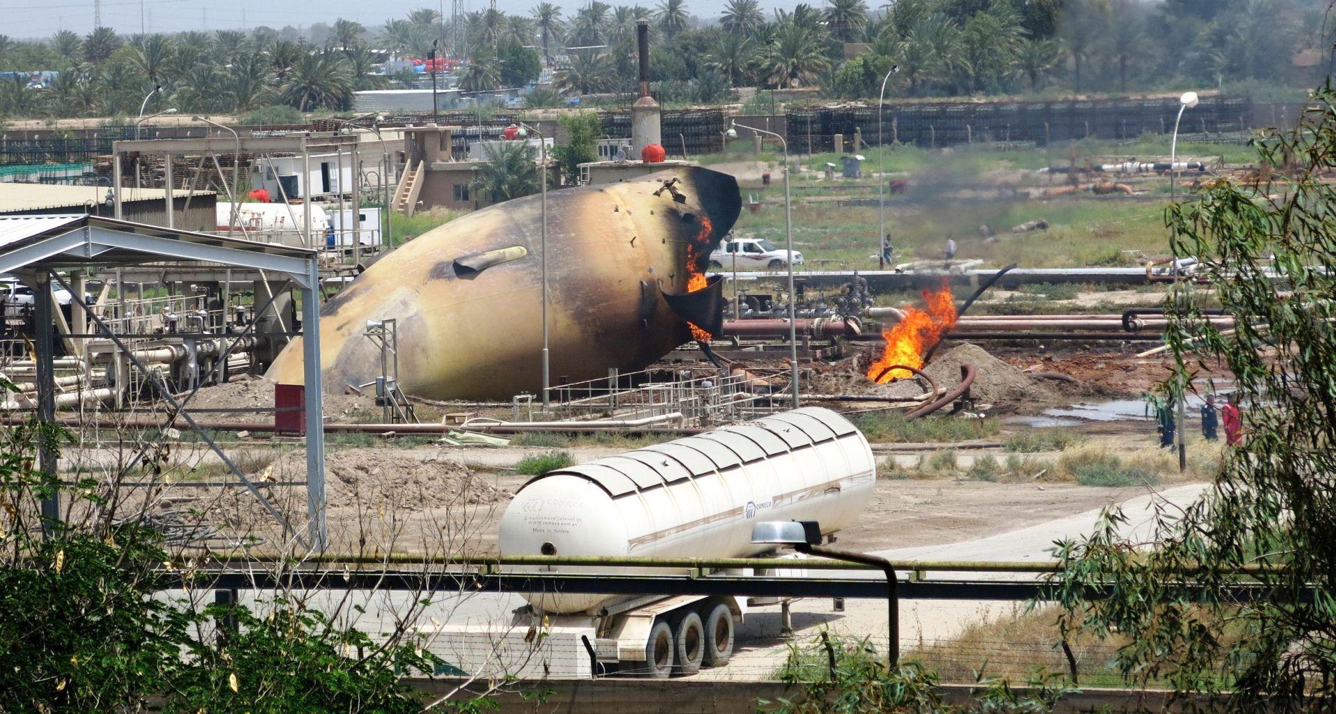 ISIS PREUZEO ODGOVORNOST U samoubilačkom napadu na tvornicu plina kod Bagdada najmanje 14 poginulih