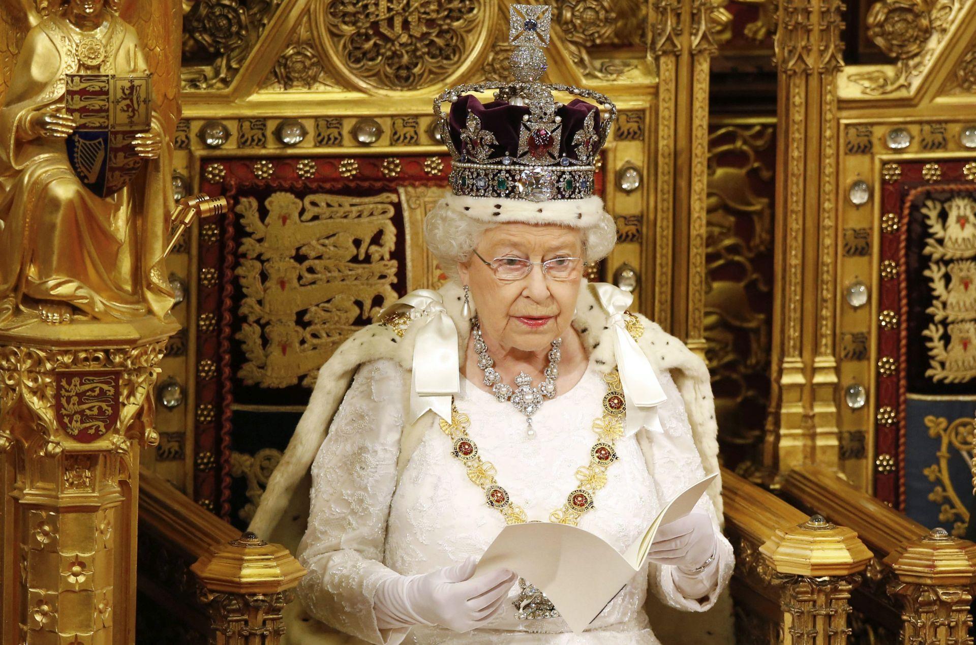 Britanska kraljica predstavila vladine reforme pred referendum o EU-u