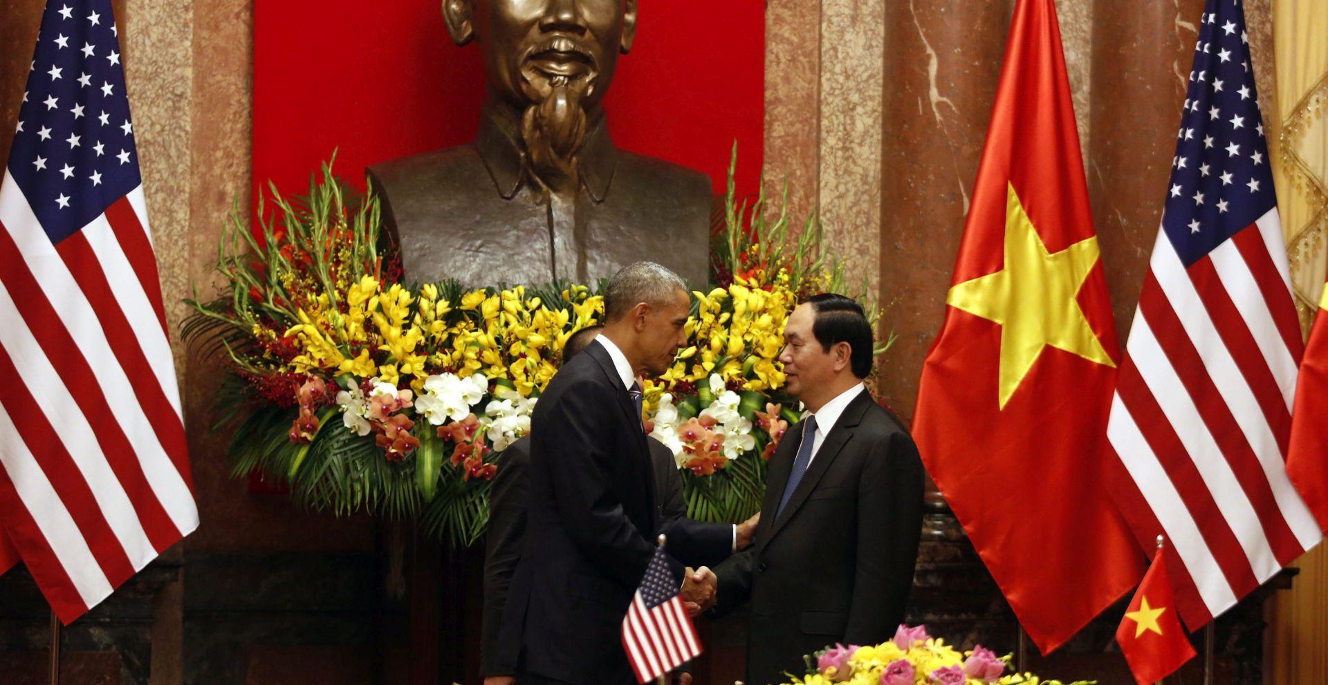 """Obama u Hanoju radi """"jačanja odnosa"""""""