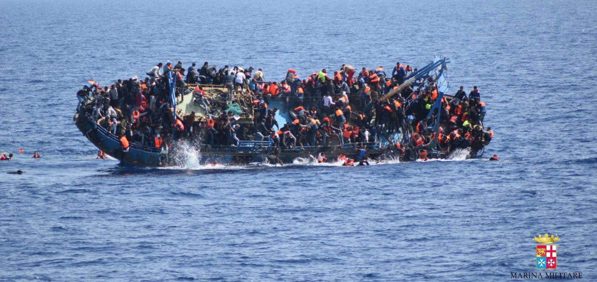 Strahuje se da se kod libijske obale utopilo 90 migranata