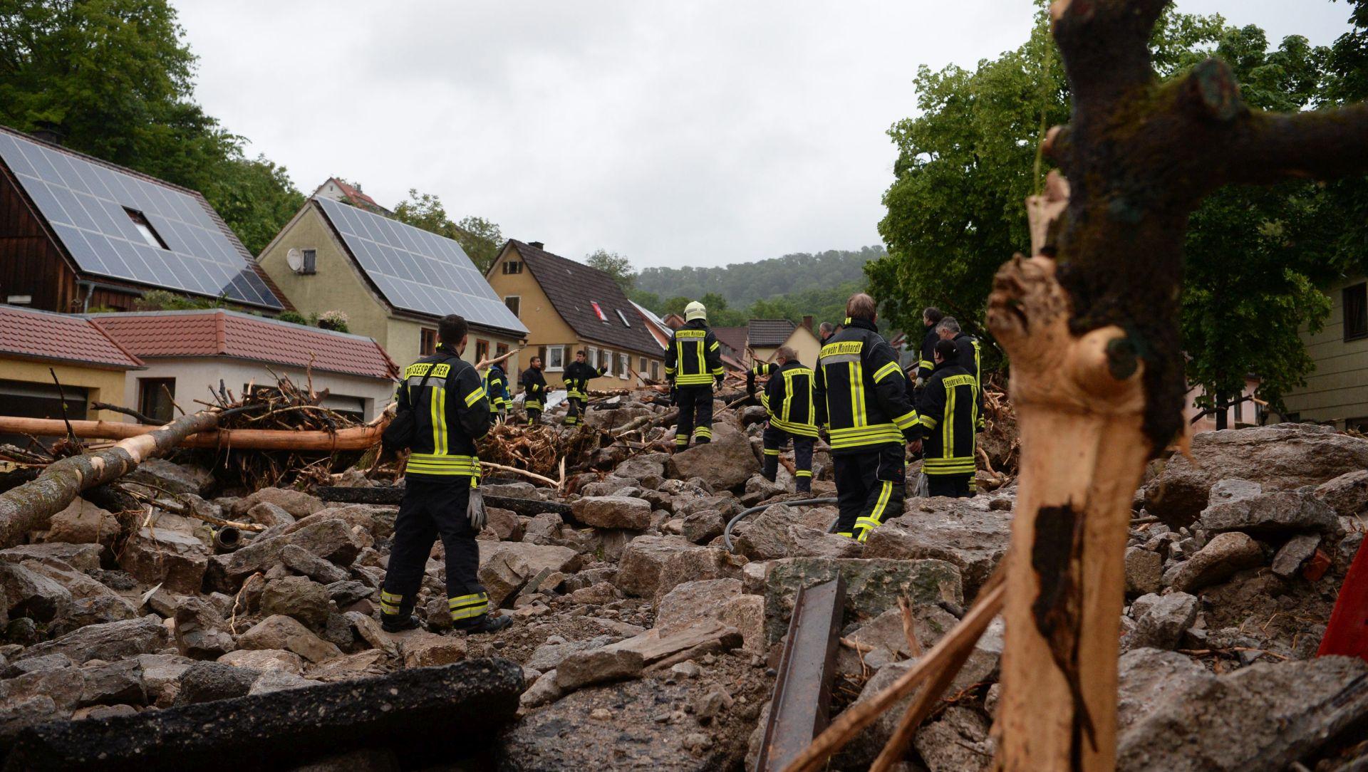 VIDEO: Snažno nevrijeme u Njemačkoj, troje mrtvih
