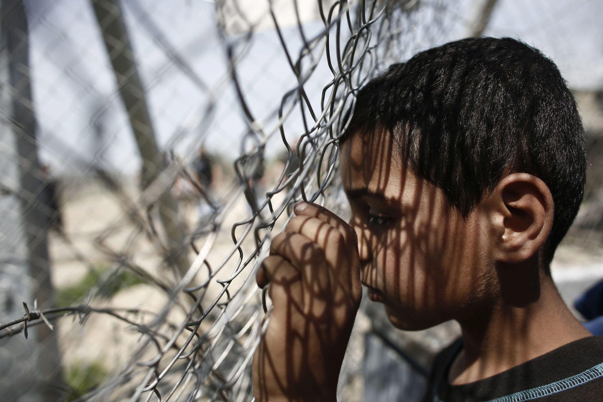 BIJEG OD RATA: Gotovo 90.000 maloljetnika bez pratnje zatražilo azil u EU 2015.