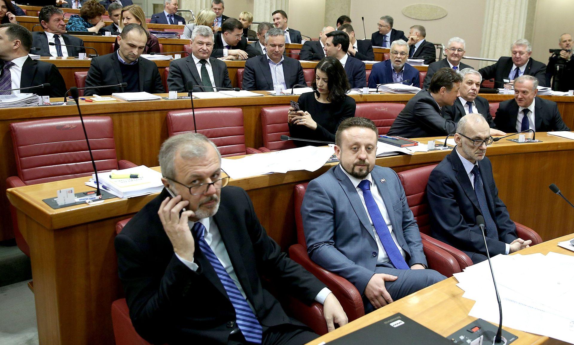 SABORSKO GLASANJE U SRIJEDU Tomislav Karamarko zaprijetio sankcijama?
