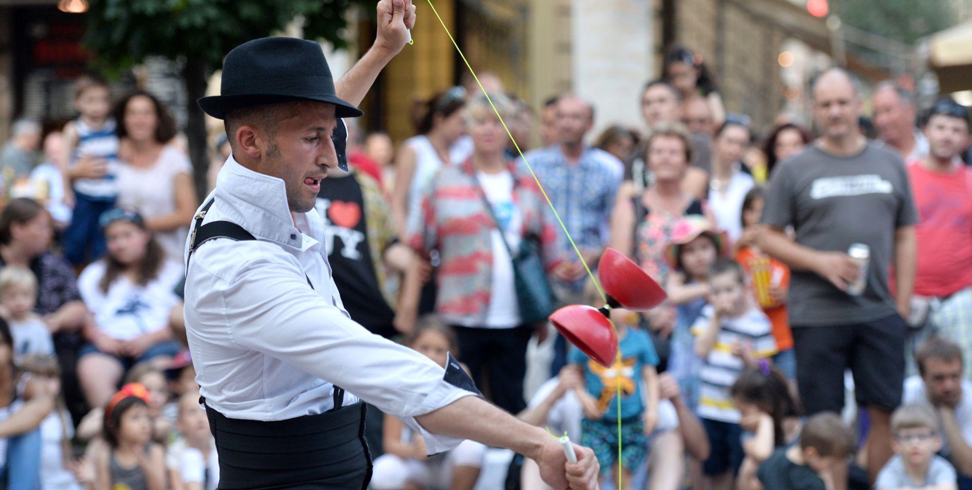 Jubilarno 20. izdanje uličnog festivala Cest is d'Best od 26. svibnja do 5. lipnja