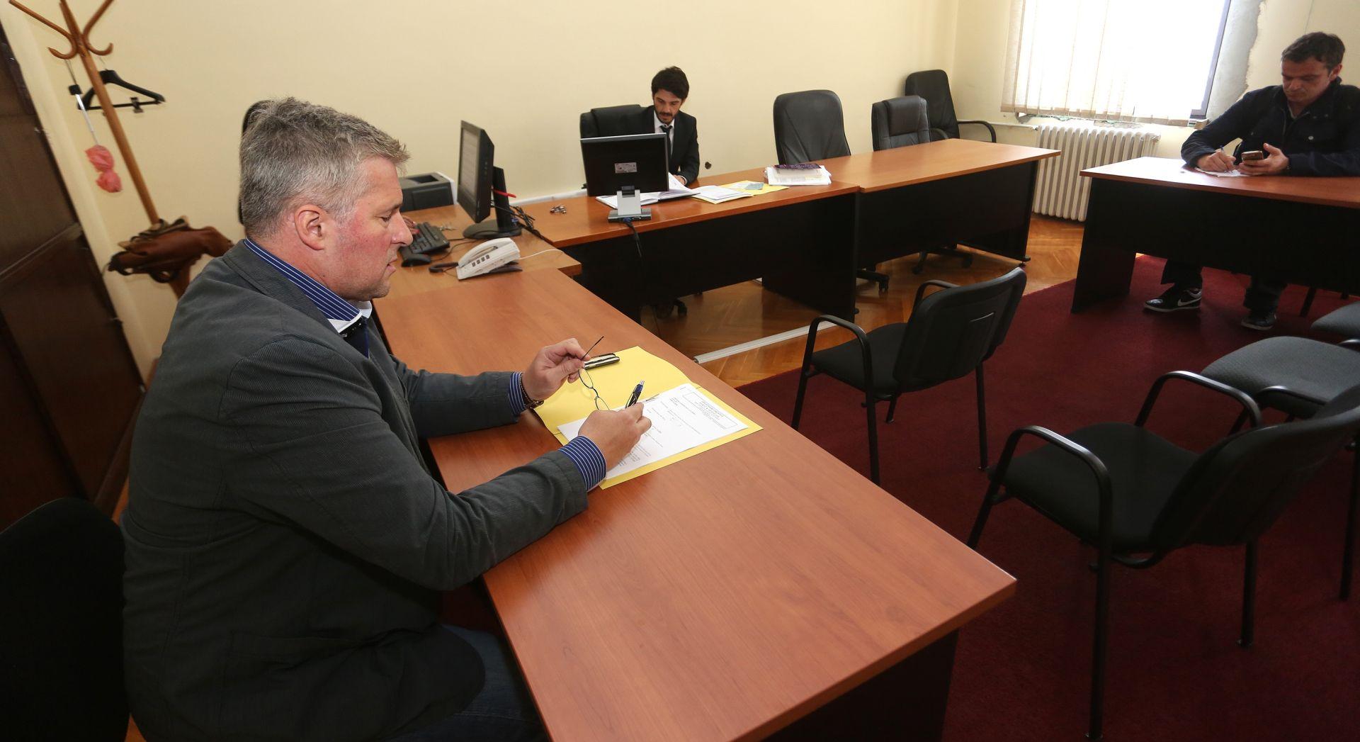 Odgođena rasprava u slučaju privatne tužbe Ranka Ostojića protiv Velimira Bujanca