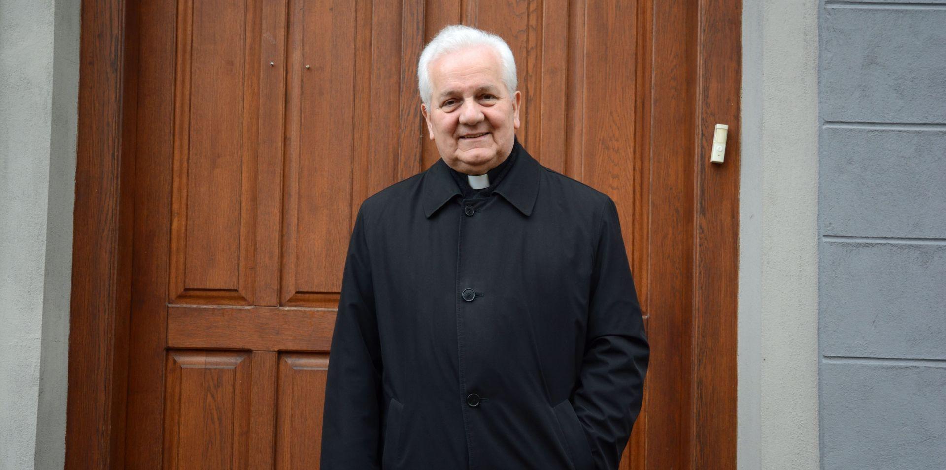 Biskup Komarica izložen političkom i medijskom linču zbog podsjećanja na ratne zločine u Banja Luci