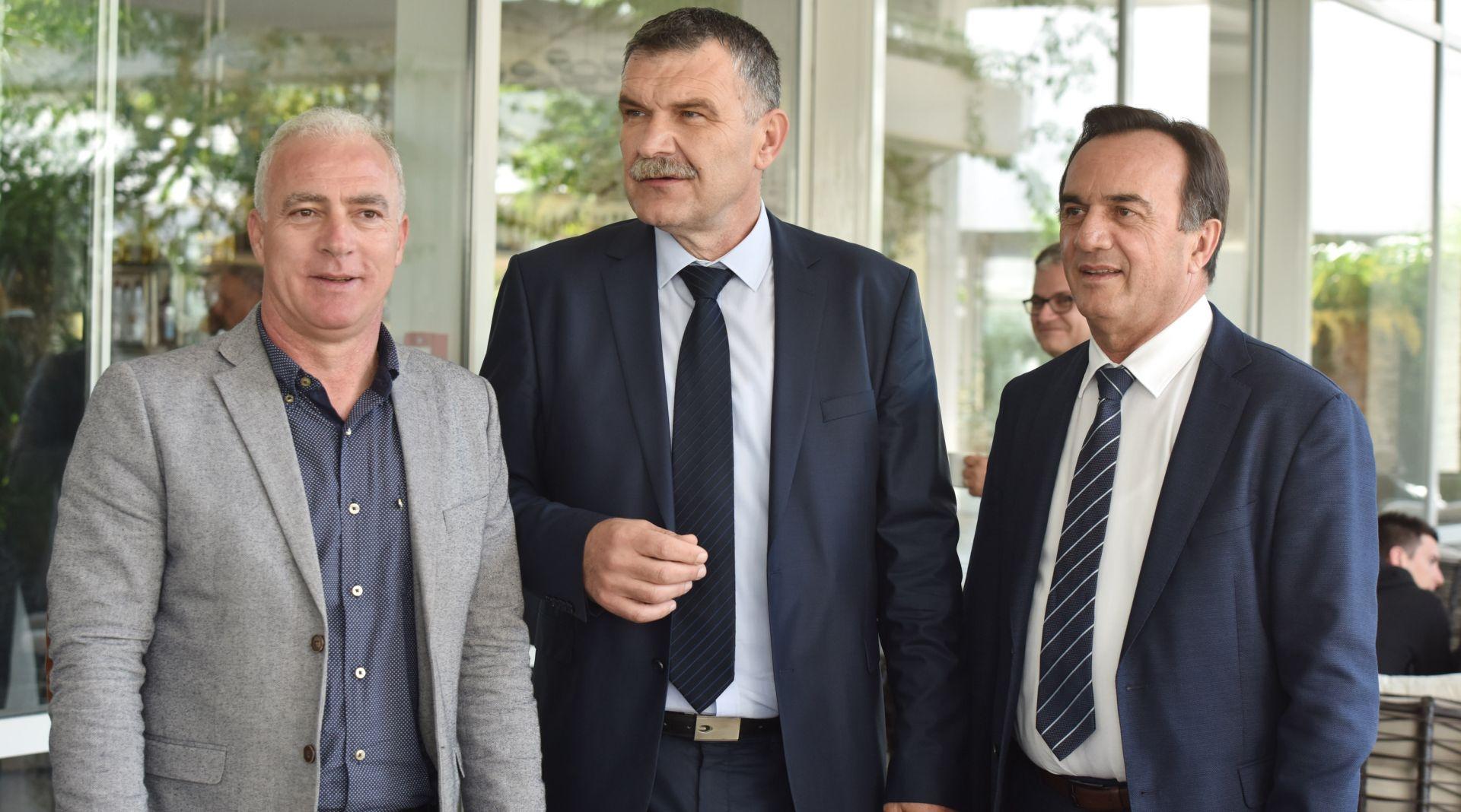 N. Dujić ponovno predsjednik šibensko-kninskog HDZ-a, u drugom krugu pobijedio G. Pauka