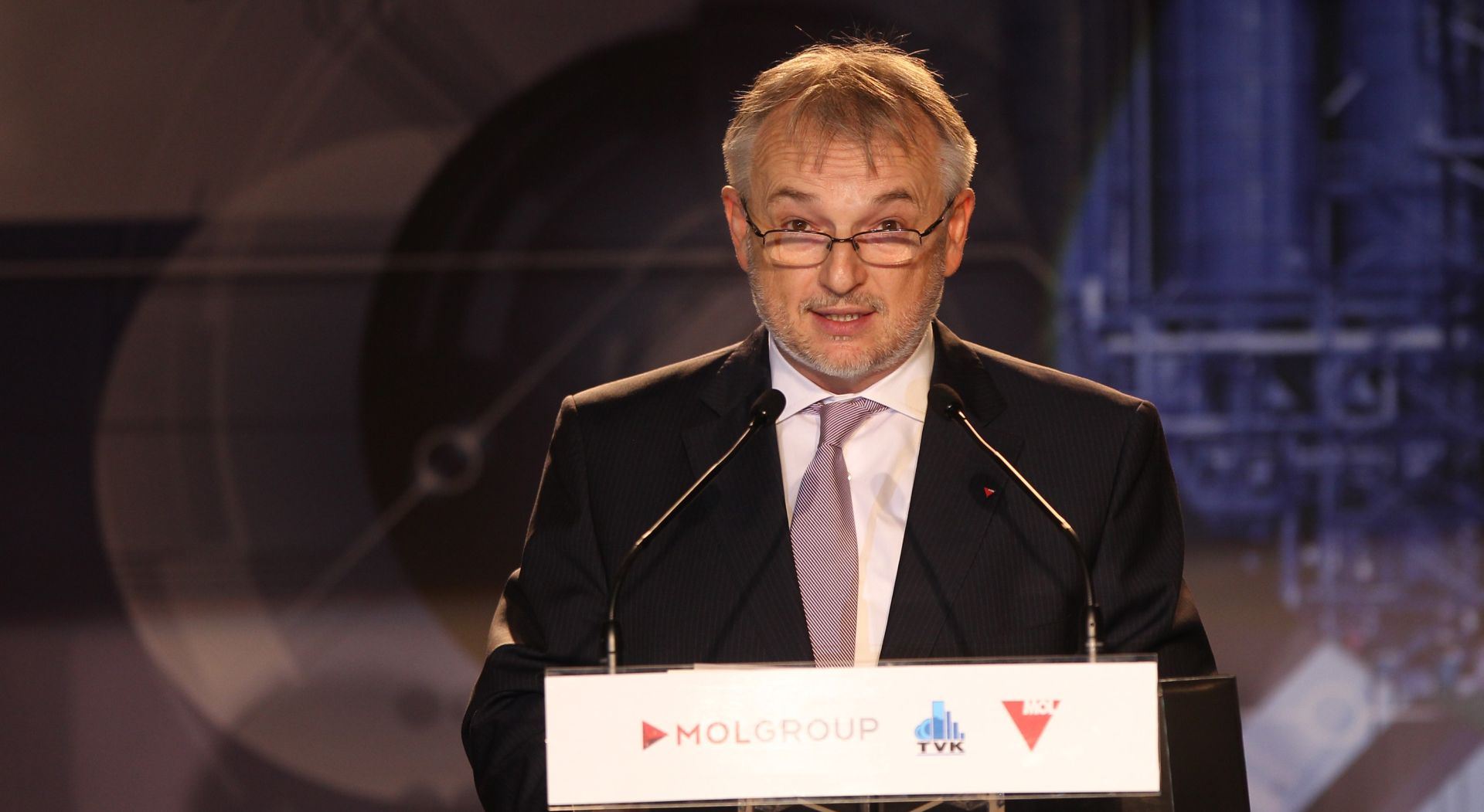 MOL pozdravlja izjave Oreškovića; prioritet mu je postizanje sporazuma oko Ine