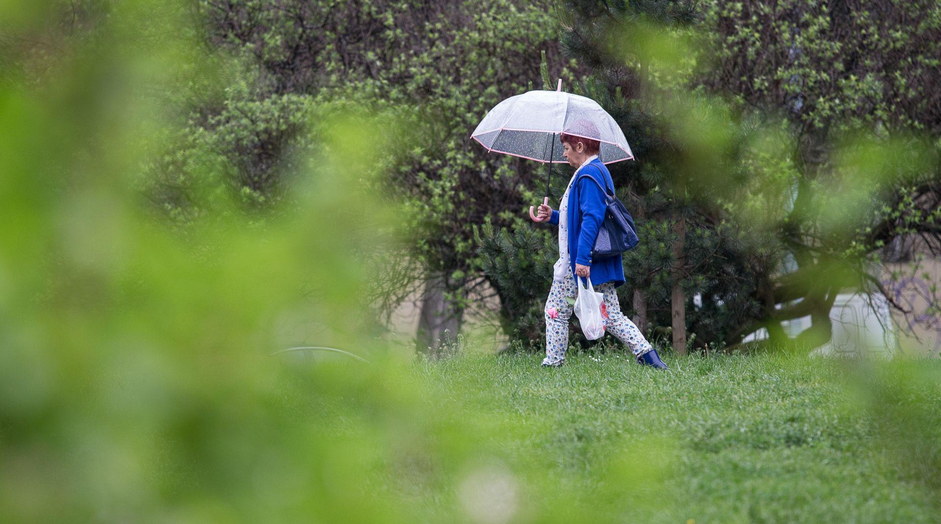 Kiša, pljuskovi s grmljavinom i vjetar – poslijepodne smirivanje vremena