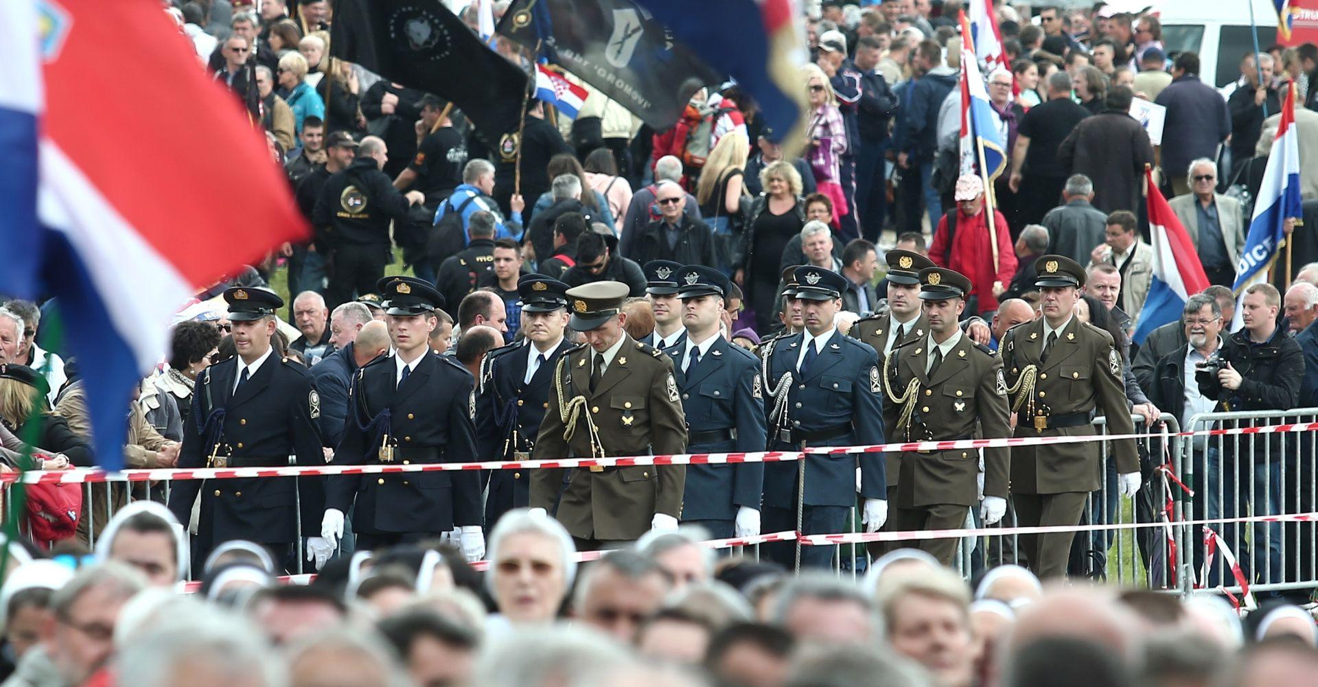 Bleiburg: 'Nesporazum u komunikaciji oko unosa ceremonijalnog oružja na komemoraciju'