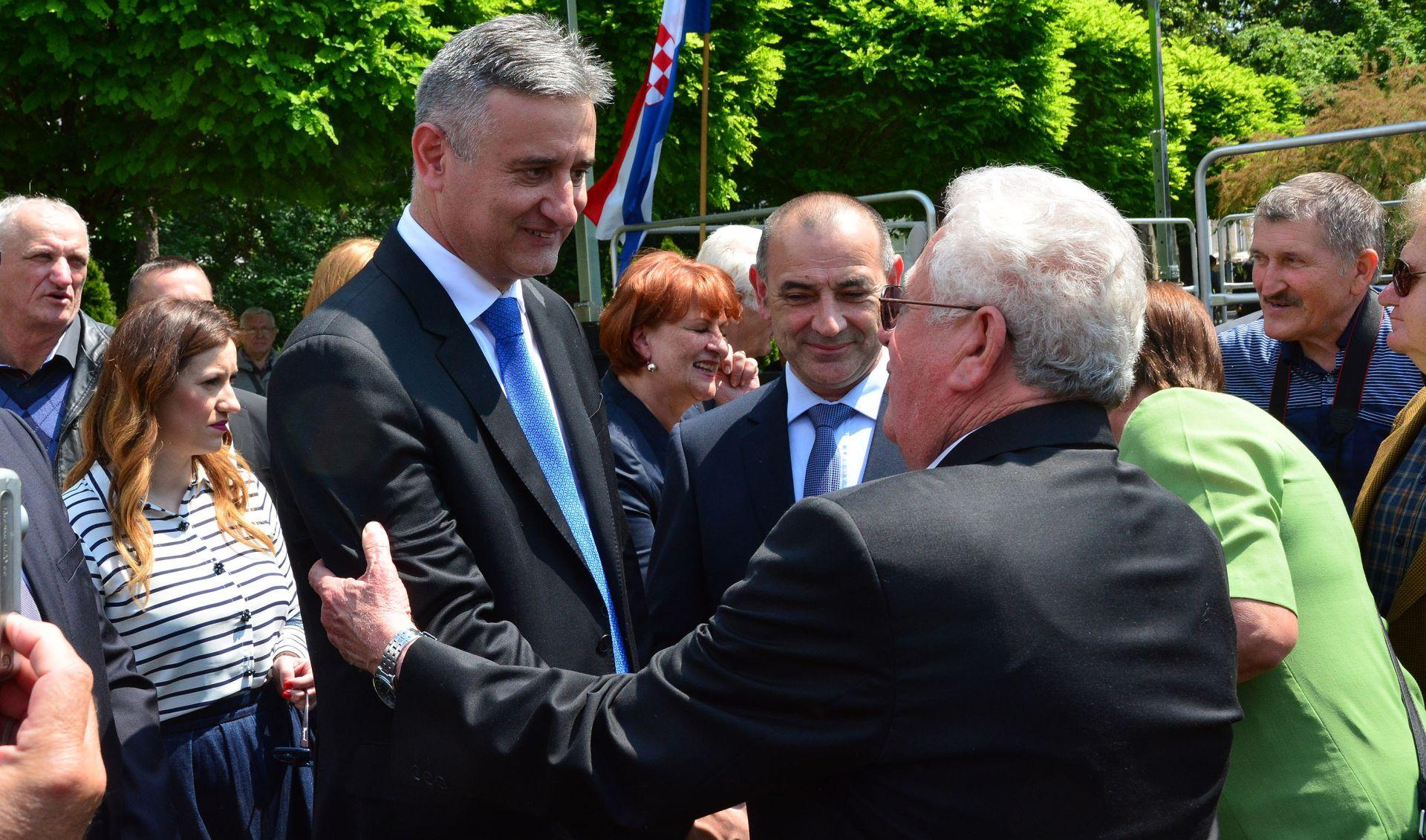 Dodik napao Karamarka zbog potpore biskupu Komarici, optužio ga i za jasenovačke zločine