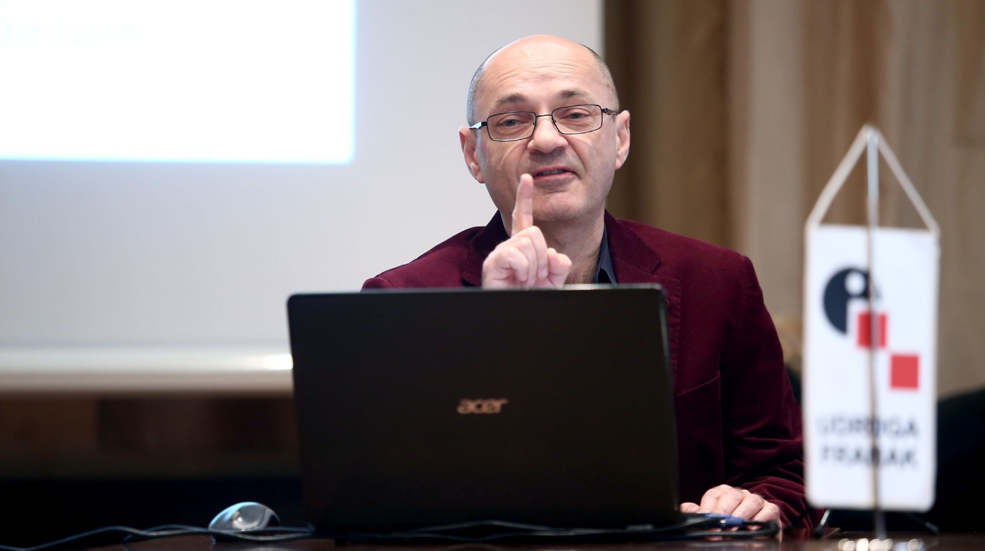 Udruga Franak podržava interpelaciju o radu Vlade